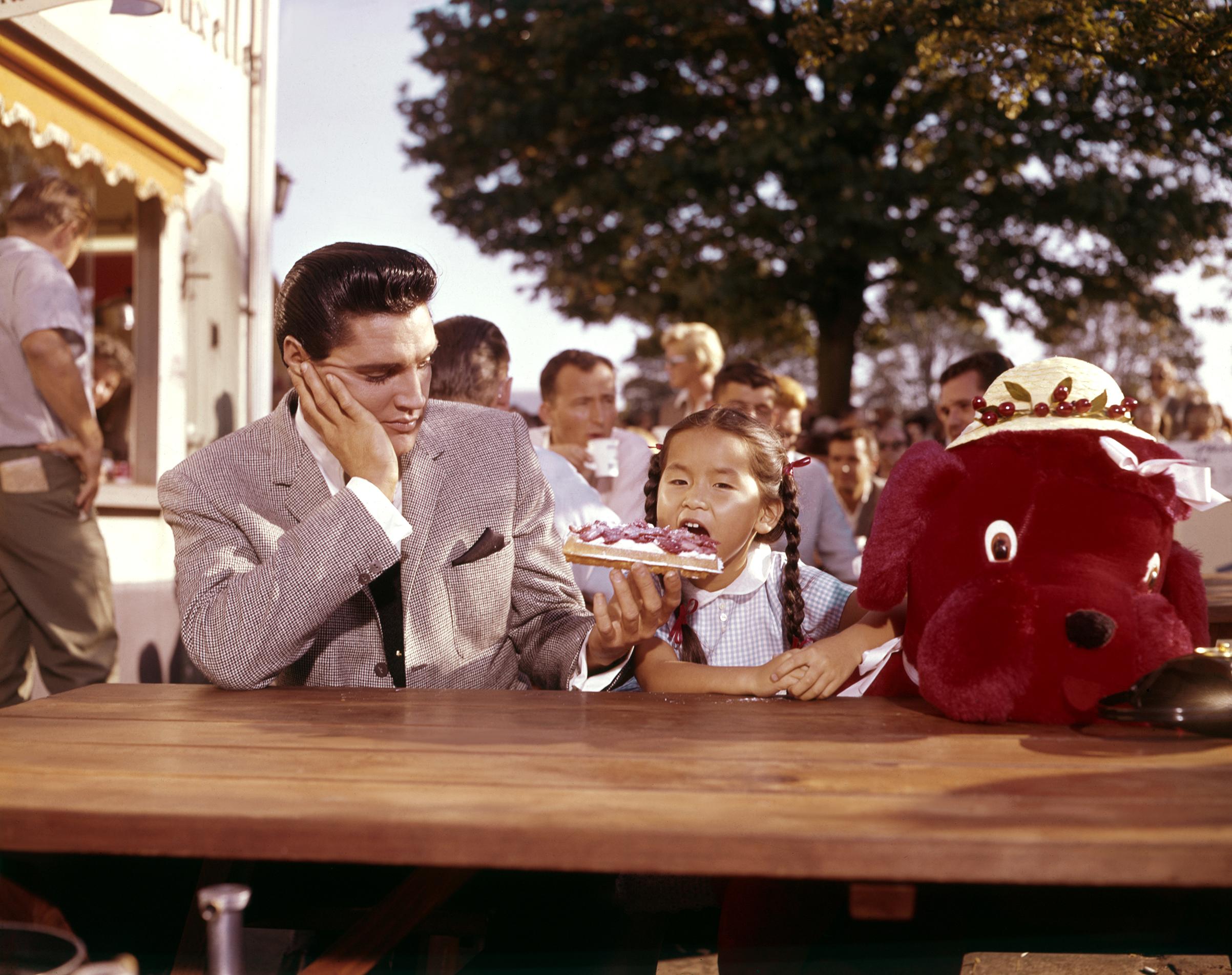 It Happened at the World's Fair : 1963, Elvis on set with Vicky Tiu.