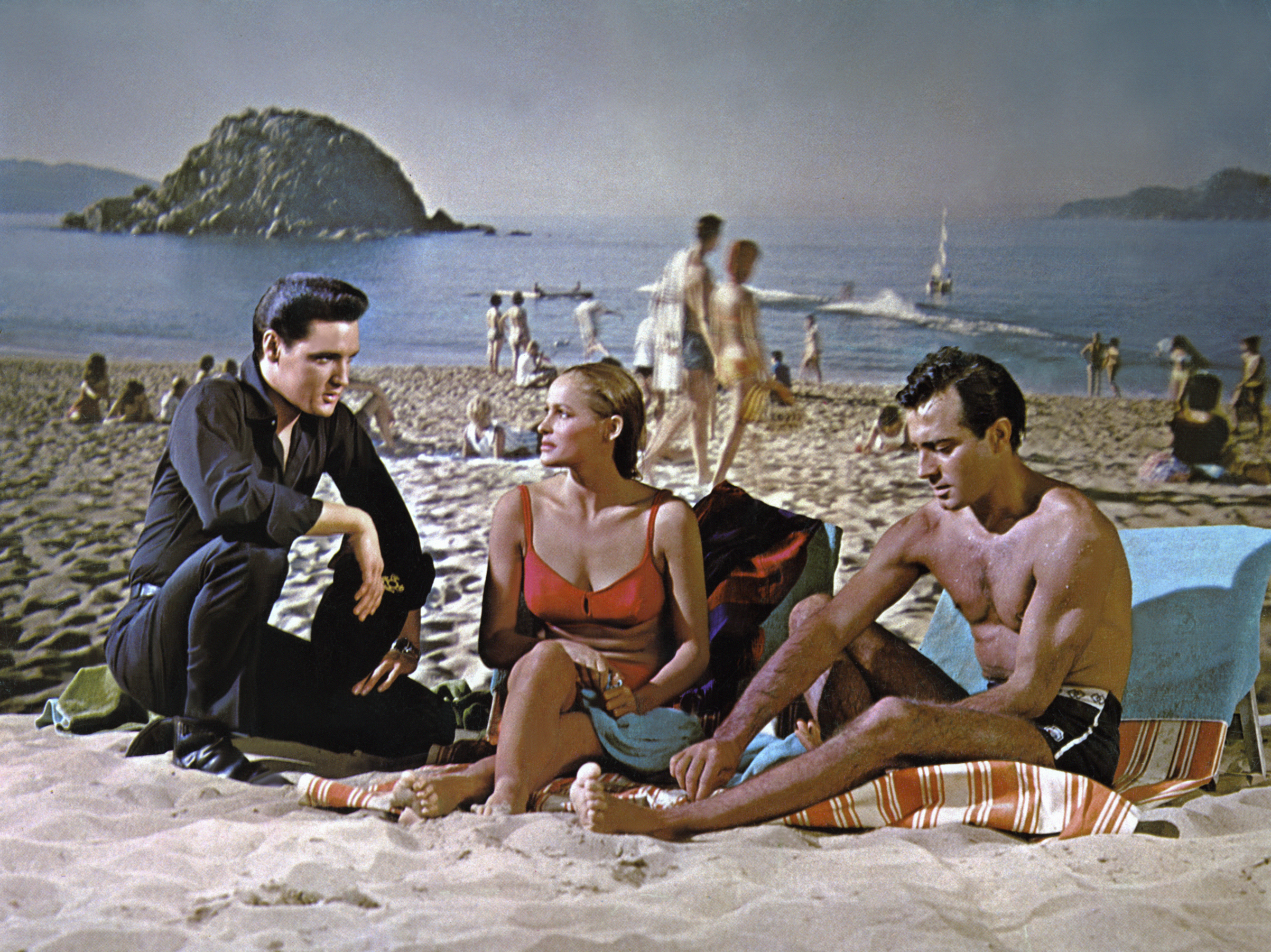 Fun in Acapulco : 1963, Elvis with Ursula Andress and Alejandro Rey.