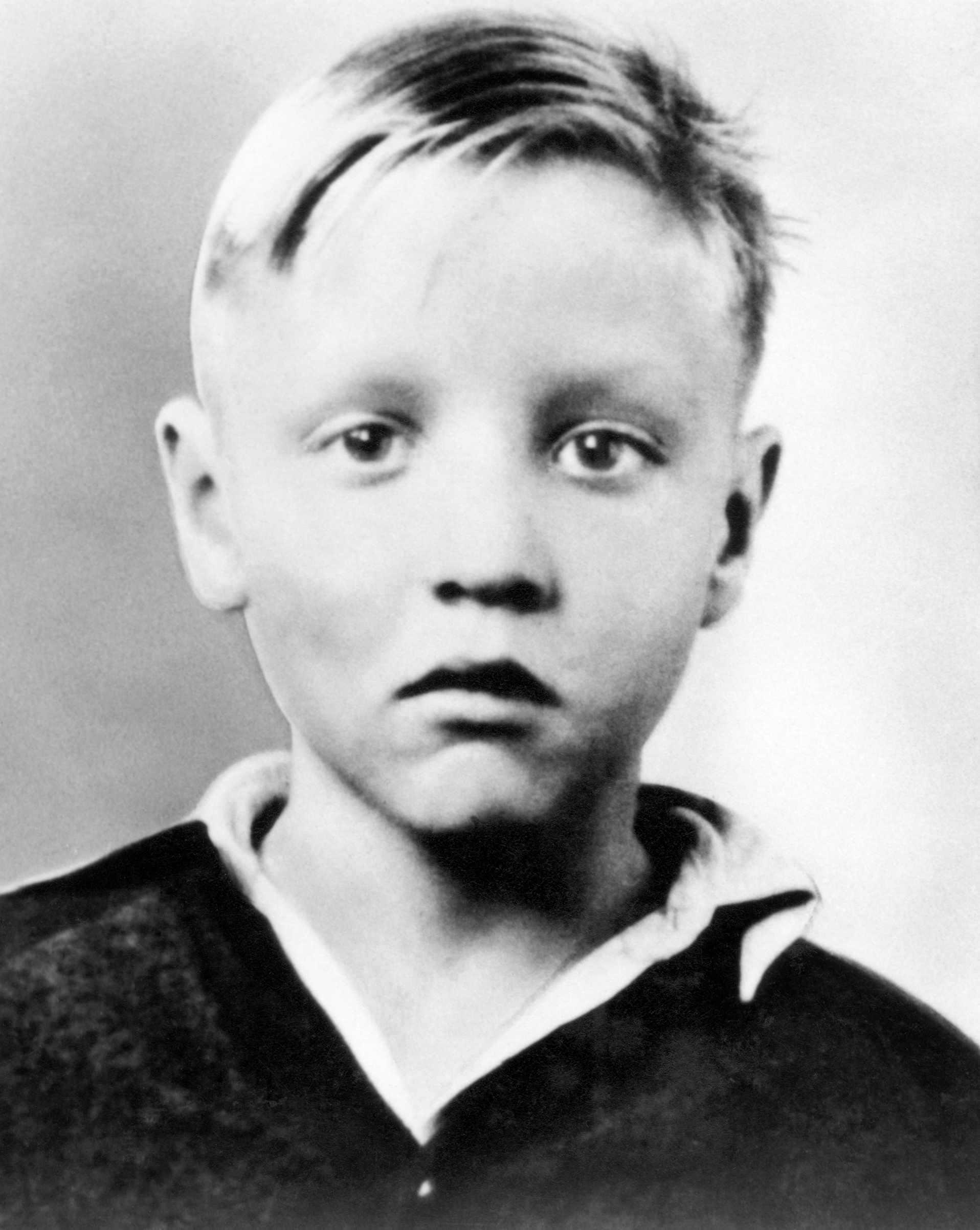 Elvis as a child in early 1940's.