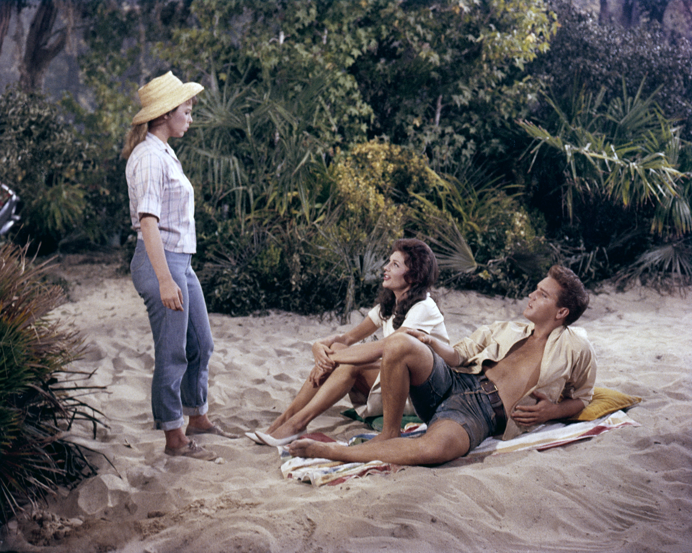 Follow That Dream : 1962, Elvis with Joanna Moore and Anne Helm.