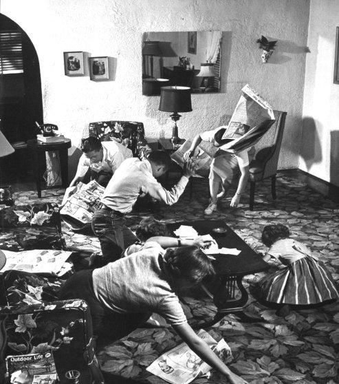 Atomic survival family drills in Houston, Texas in 1954.
