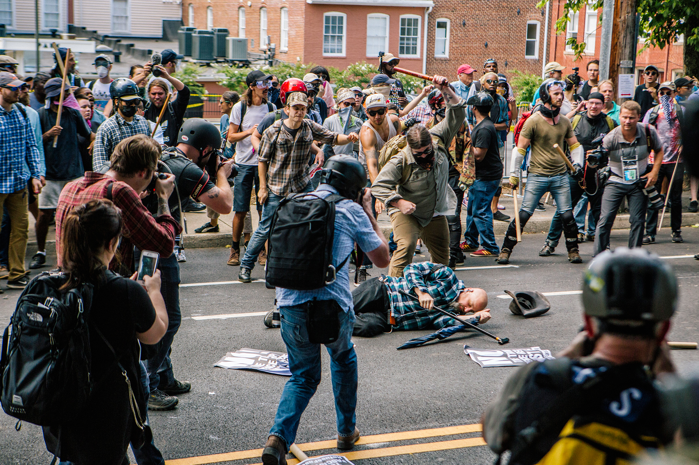 As police tried to clear the streets on Aug. 12, counterprotesters beat protesters in Charlottesville