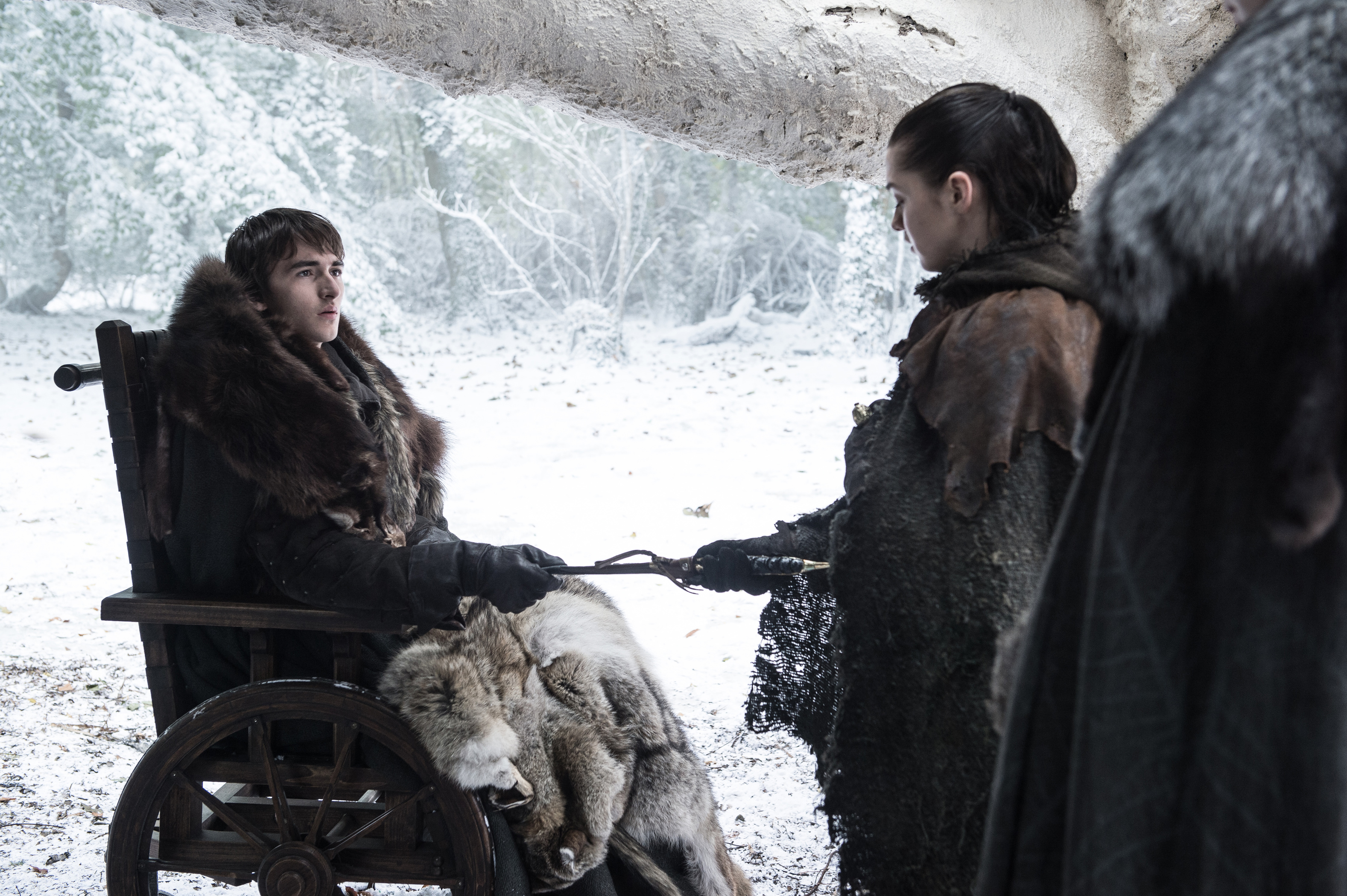 Isaac Hempstead Wright and Maisie Williams in Game of Thrones