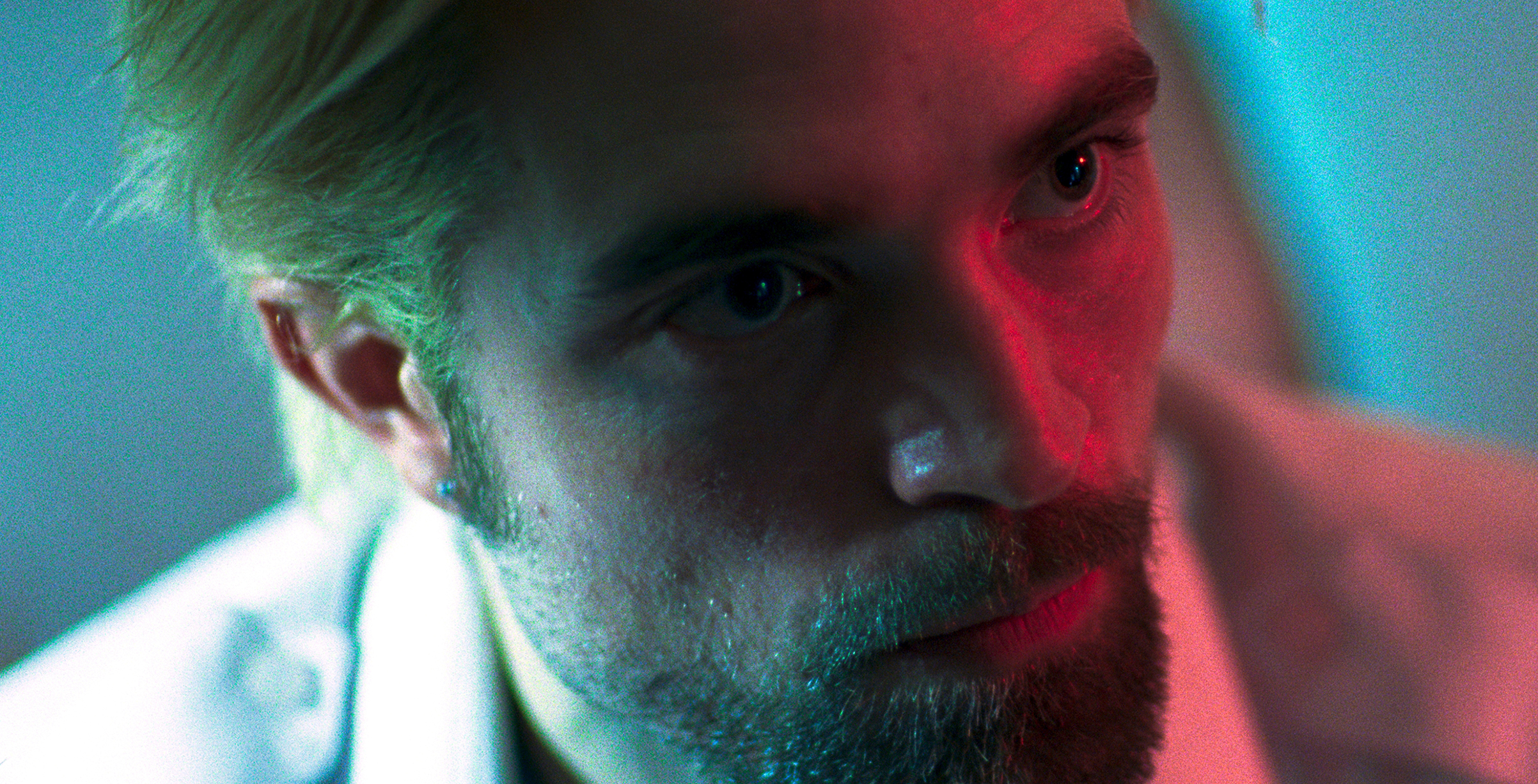 Pattinson in Good Time: the eyes have it