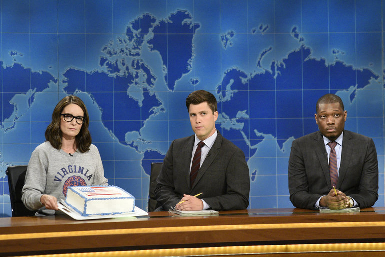 Tina Fey, Colin Jost and Michael Che at Saturday Night Live's Weekend Update desk on Aug. 17, 2017.