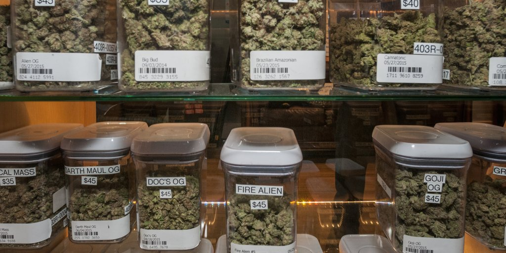 Marijuana At Weddings It S The New Moneymaker Time