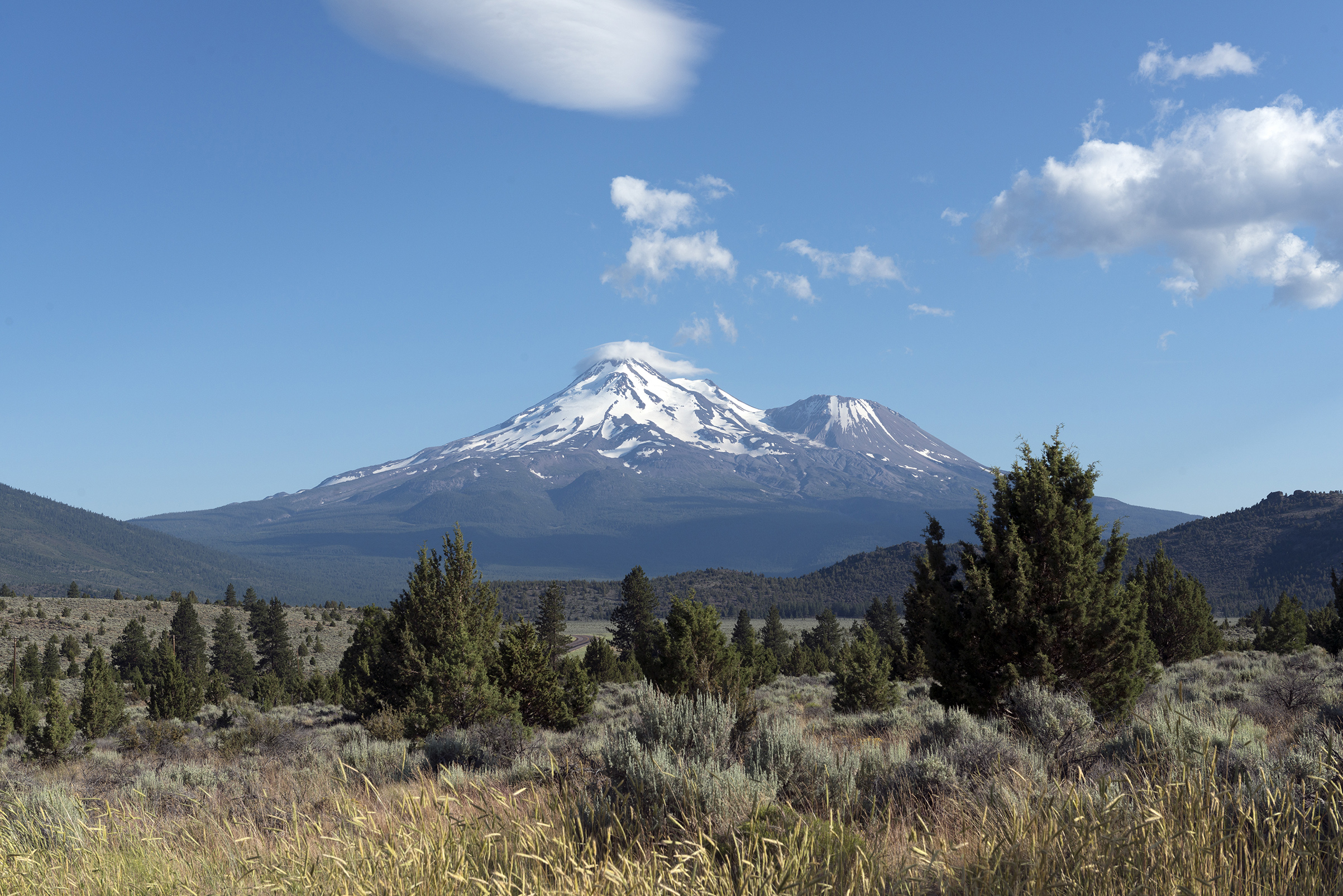Mount Shasta, is located at the southern end of the Cascade Range in Siskiyou County, California.