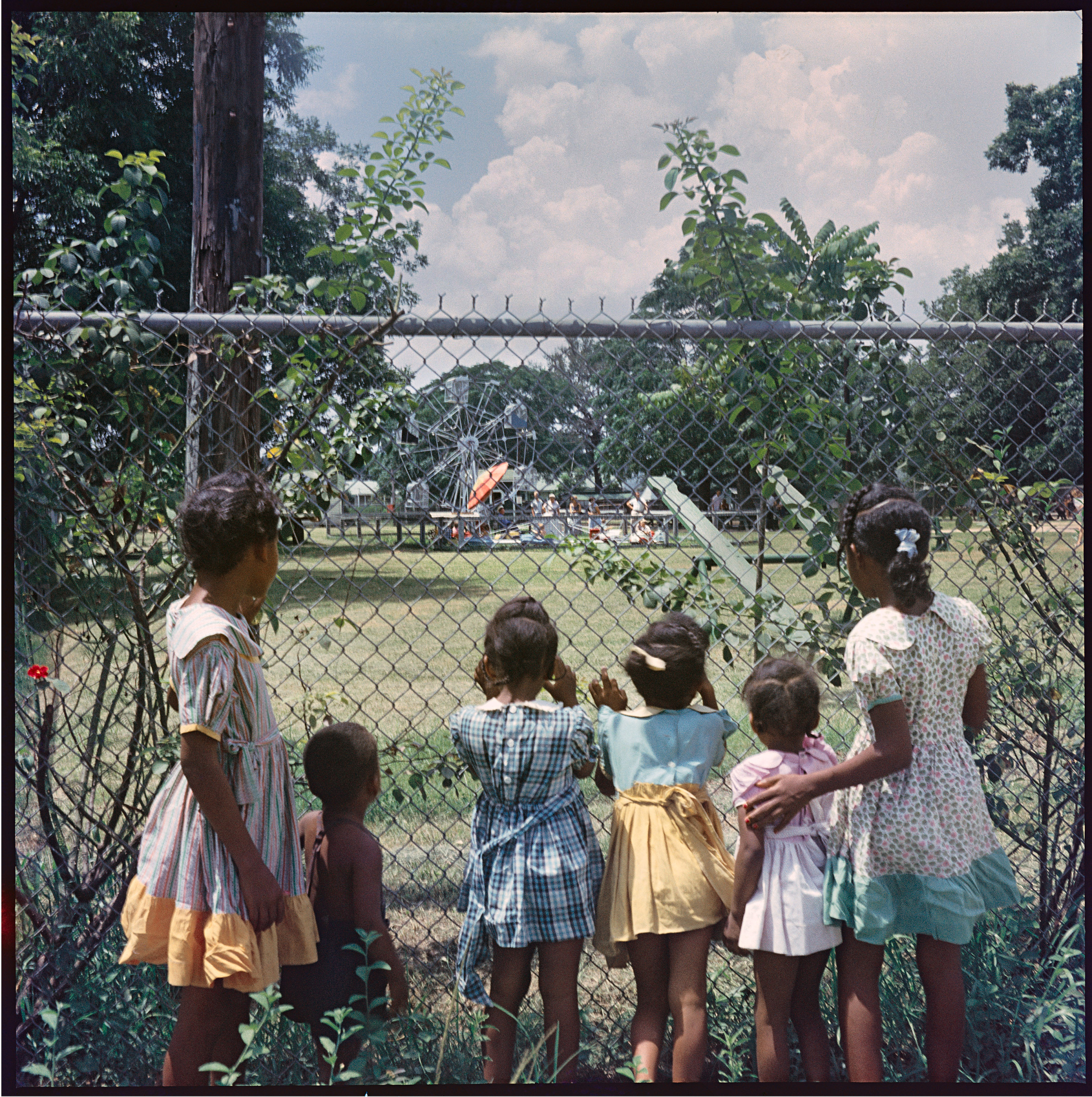 Gordon Parks (American, 1912–2006), Outside Looking In, Mobile, Alabama, 1956, printed 2012, pigmented inkjet print. High Museum of Art, Atlanta, gift of The Gordon Parks Foundation, 2014.386.9.