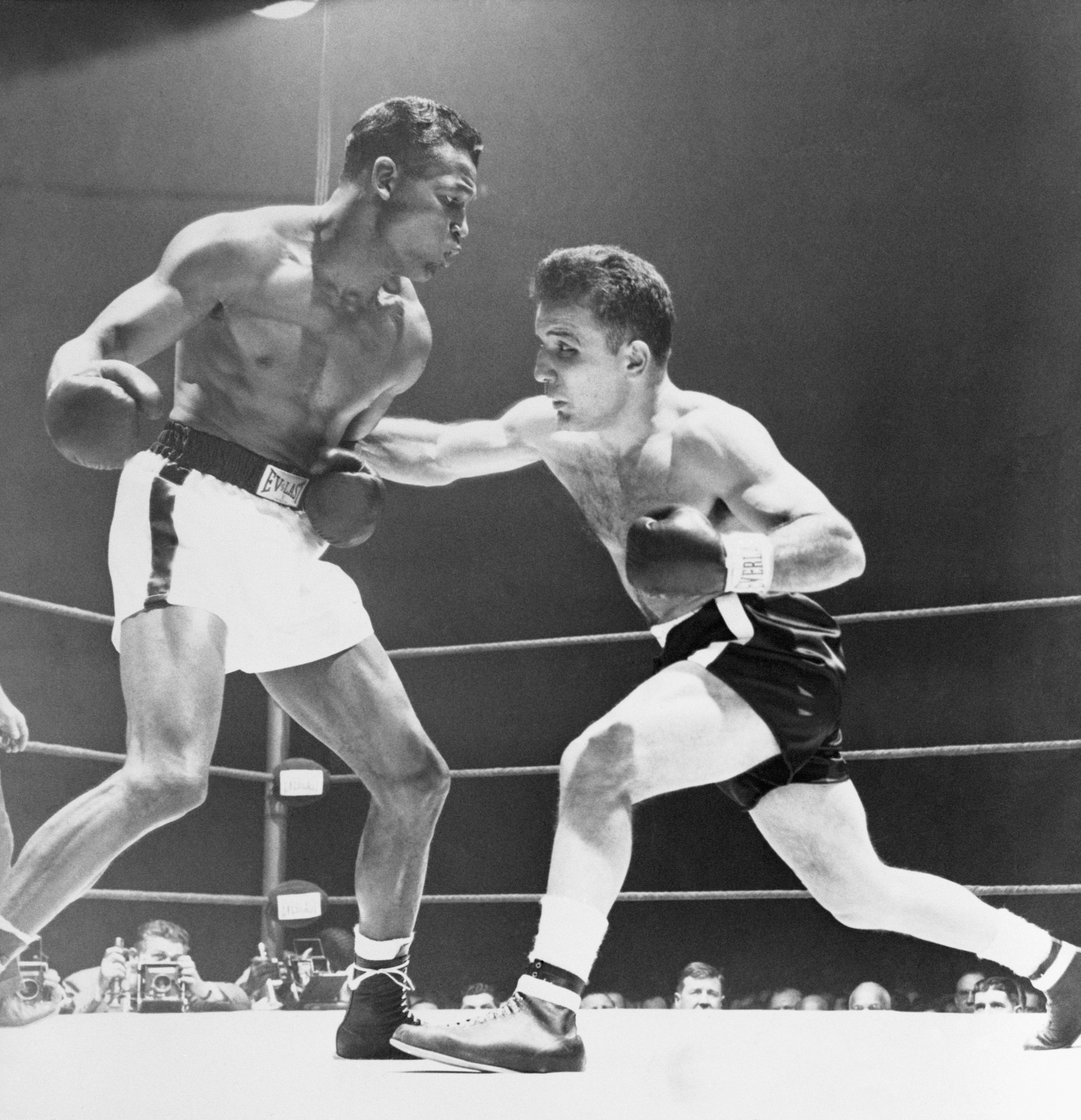 Jake La Motta (right) fights Sugar Ray Robinson in the sixth, and final, fight, in 1951 in Chicago.