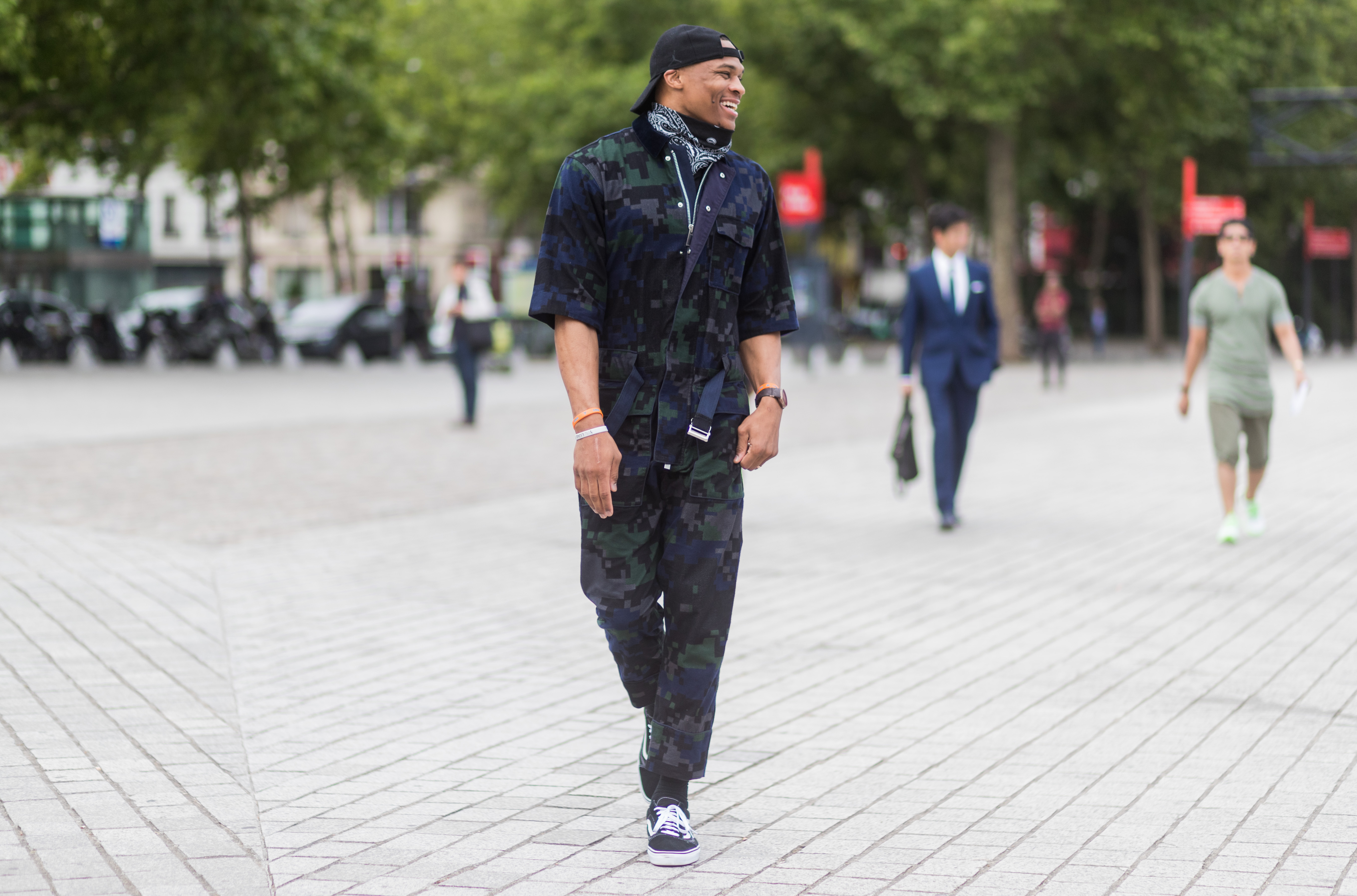 PARIS, FRANCE - JUNE 24: Russell Westbrook outside Sacai during Paris Fashion Week Menswear Spring/Summer 2018 Day Four on June 24, 2017 in Paris, France. (Photo by Christian Vierig/Getty Images)