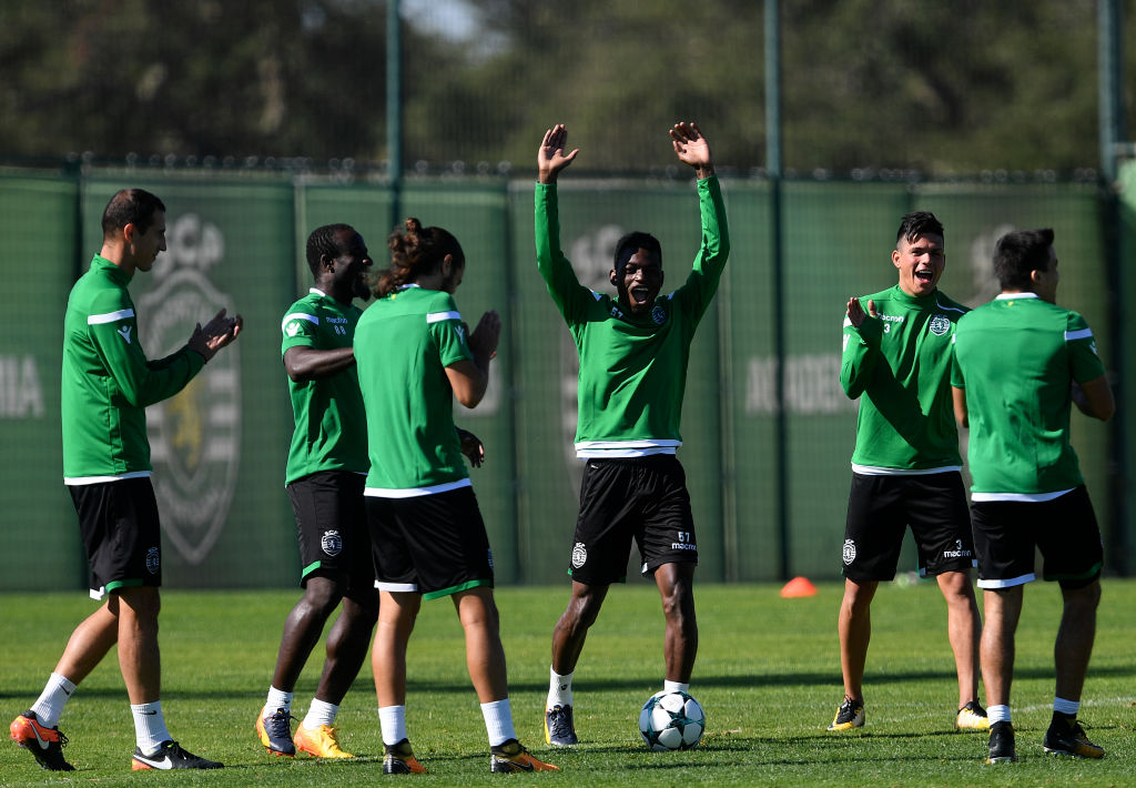 Sporting's players attend a training session at Academia Sporting in Alcochete, in the outskirts of Lisbon, on September 26, 2017, on the eve of the UEFA Champions League Group D football match Sporting CP vs FC Barcelona. / AFP PHOTO / FRANCISCO LEONG        (Photo credit should read FRANCISCO LEONG/AFP/Getty Images)