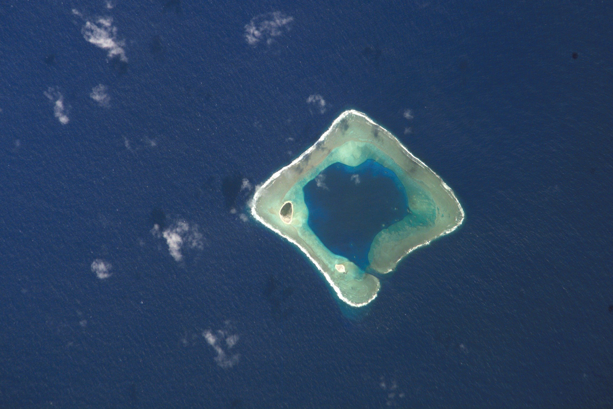 This image taken by a crew member aboard the International Space Station during Expedition 13 shows Rose Island in American Samoa.