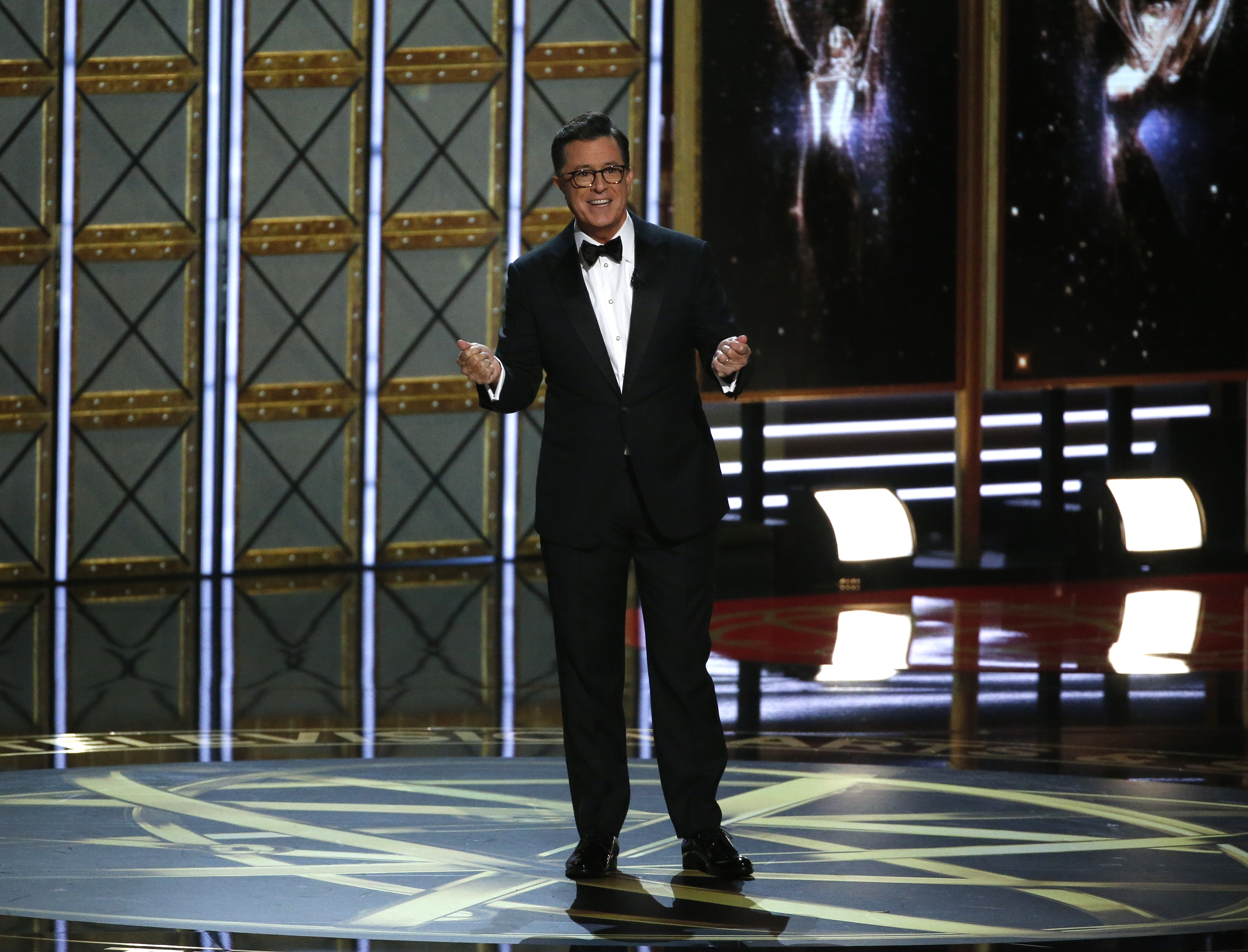 69th Primetime Emmy Awards – Show – Los Angeles, California, U.S., 17/09/2017 - Host Stephen Colbert speaks as he opens the show. REUTERS/Mario Anzuoni - HP1ED9I01BBX8