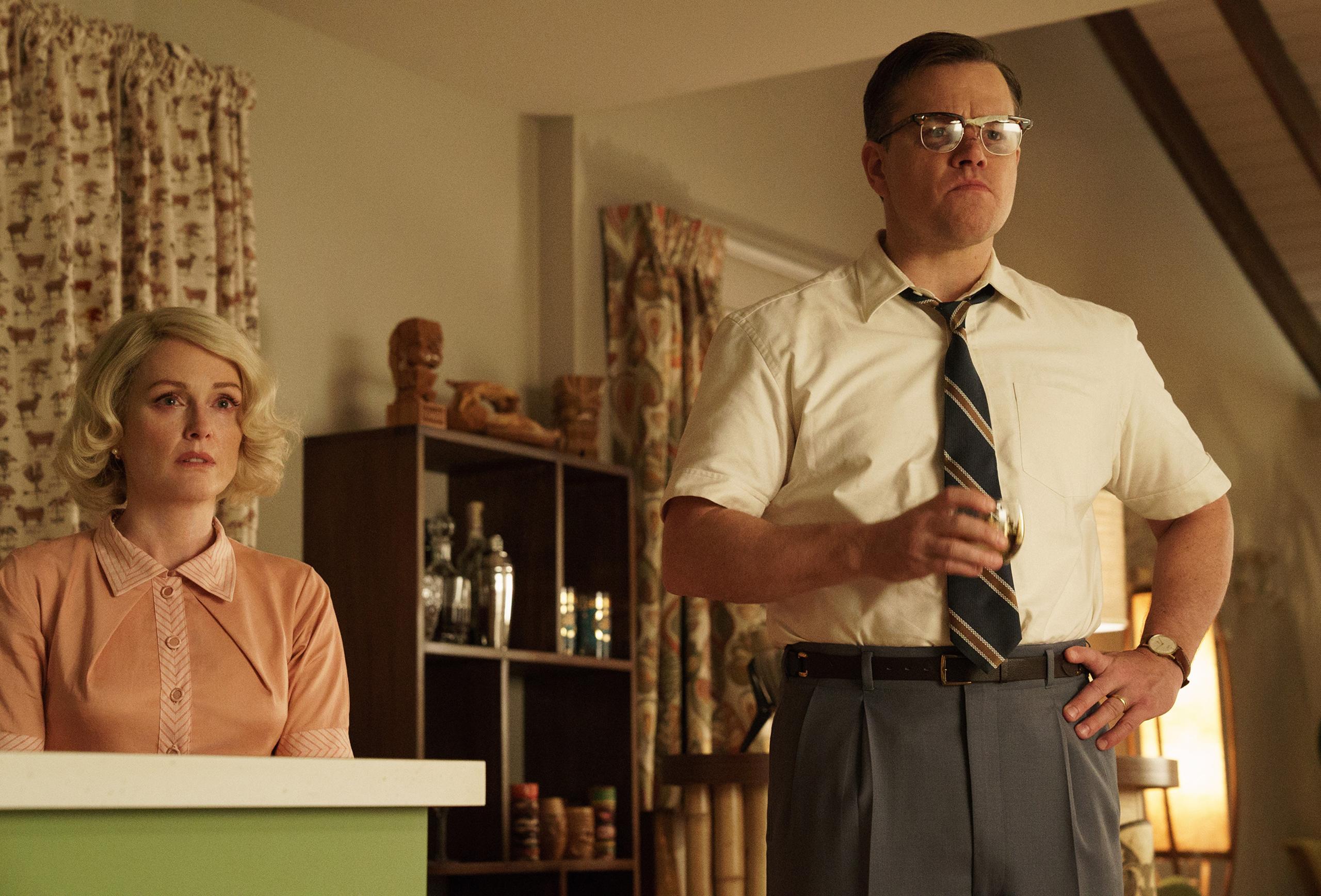 Julianne Moore as Margaret and Matt Damon as Gardner in Suburbicon.