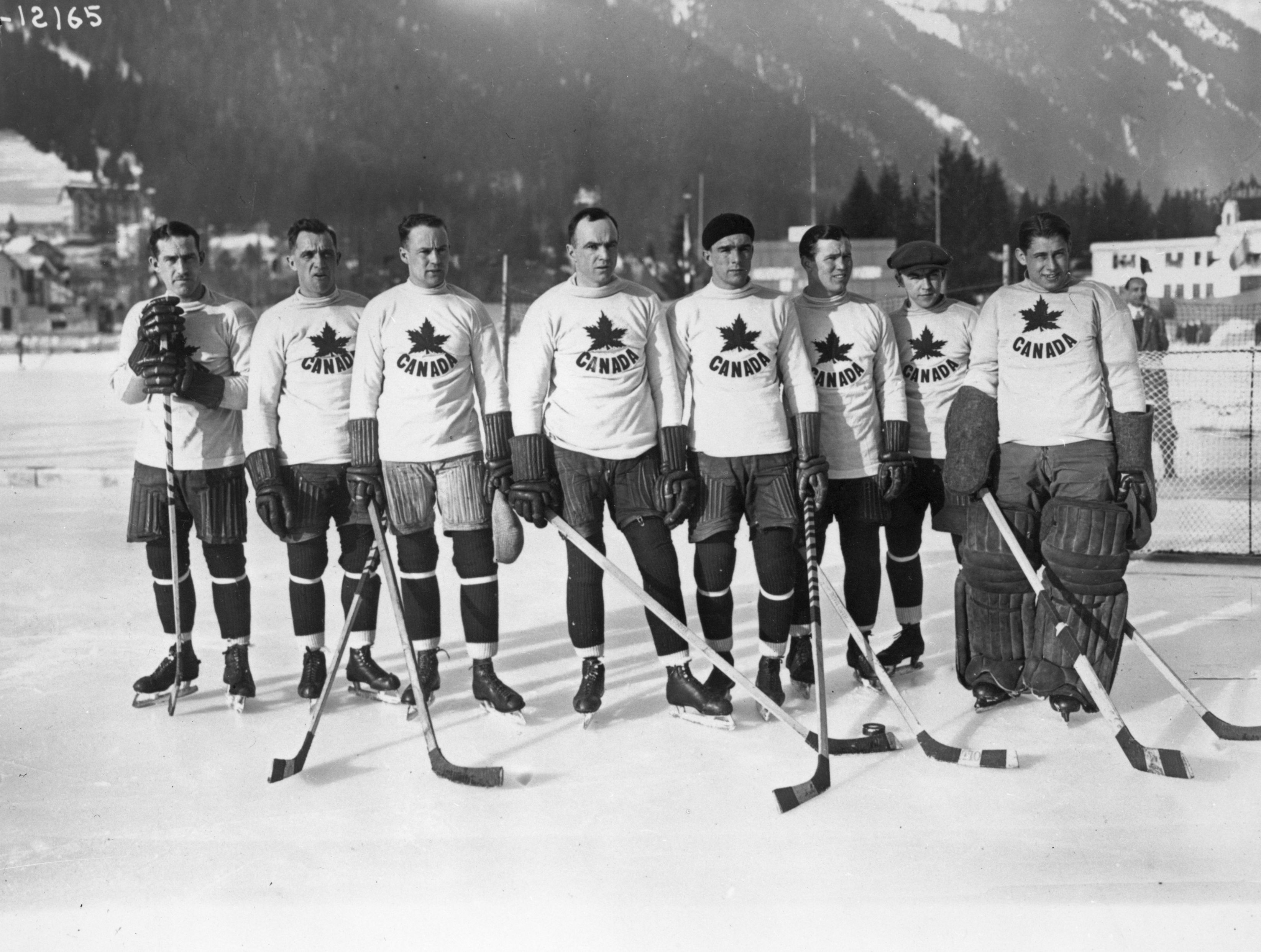 The Canadian ice hockey team, the Toronto Granites, who beat the United States in the final 6-1 to take the gold medal at the first Winter Olympics. (Photo by Topical Press Agency/Getty Images)