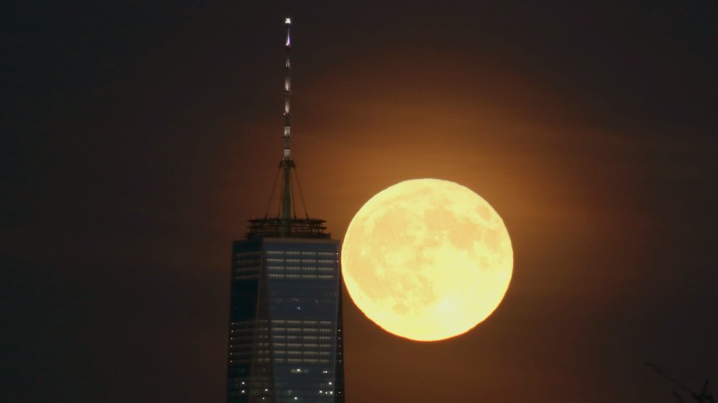 There's a Full Moon Due on Friday the 13th for Most of the U.S. The Next One Isn't for Another 30 Years