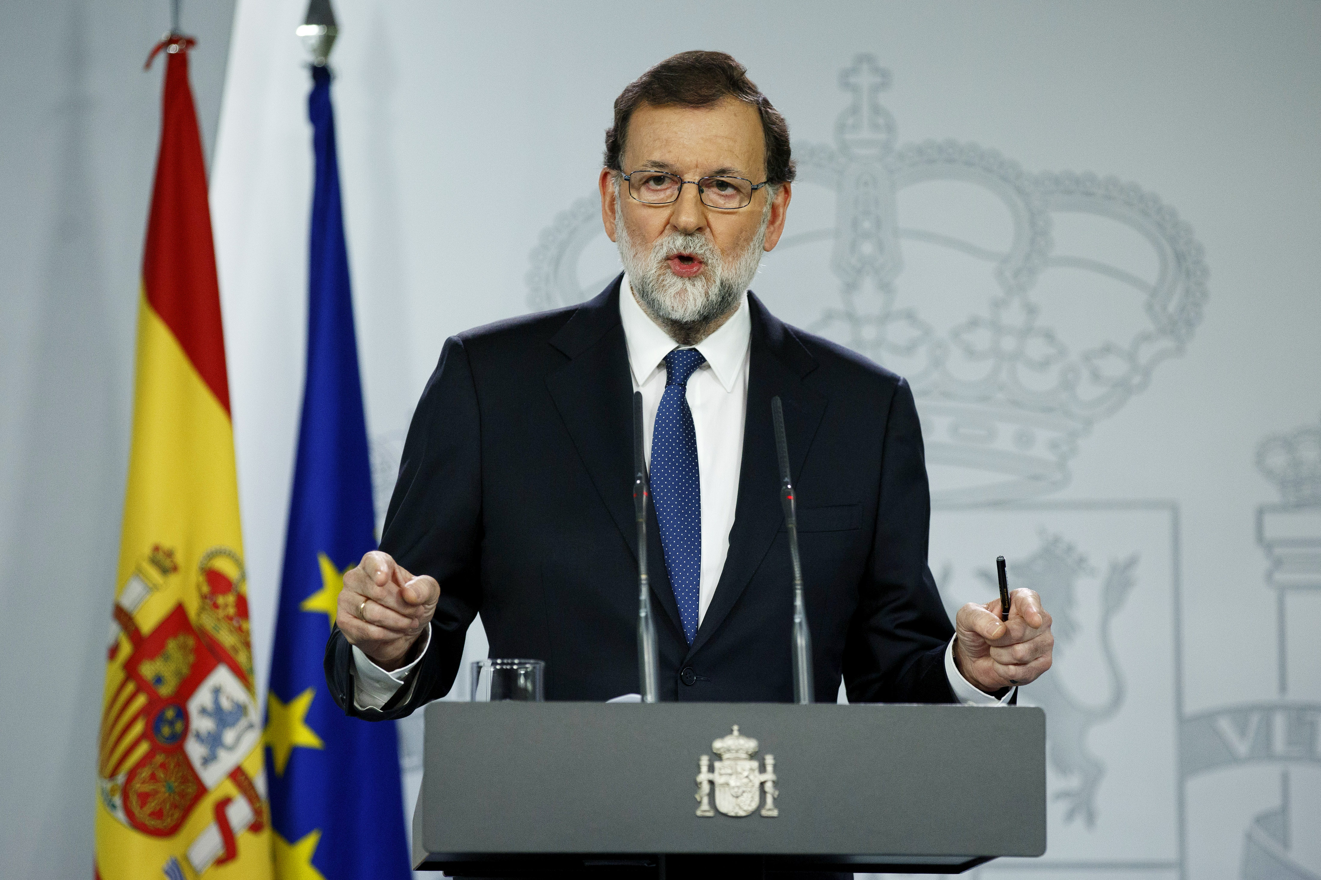 MADRID, SPAIN - OCTOBER 21:  Spanish Prime Minister Mariano Rajoy speaks during a press conference after an extraordinary cabinet meeting to discuss interventions in Catalonia.