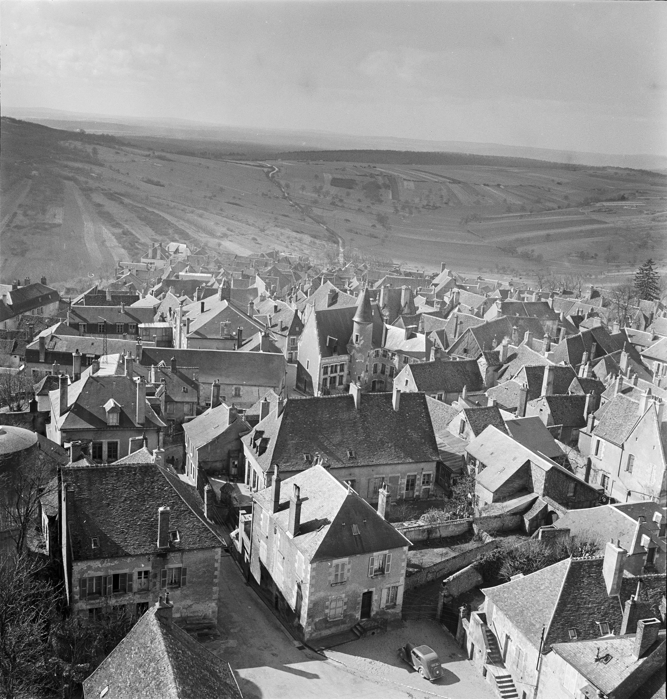 Rooftops of Sancerre from tower just before the snow, 1951.