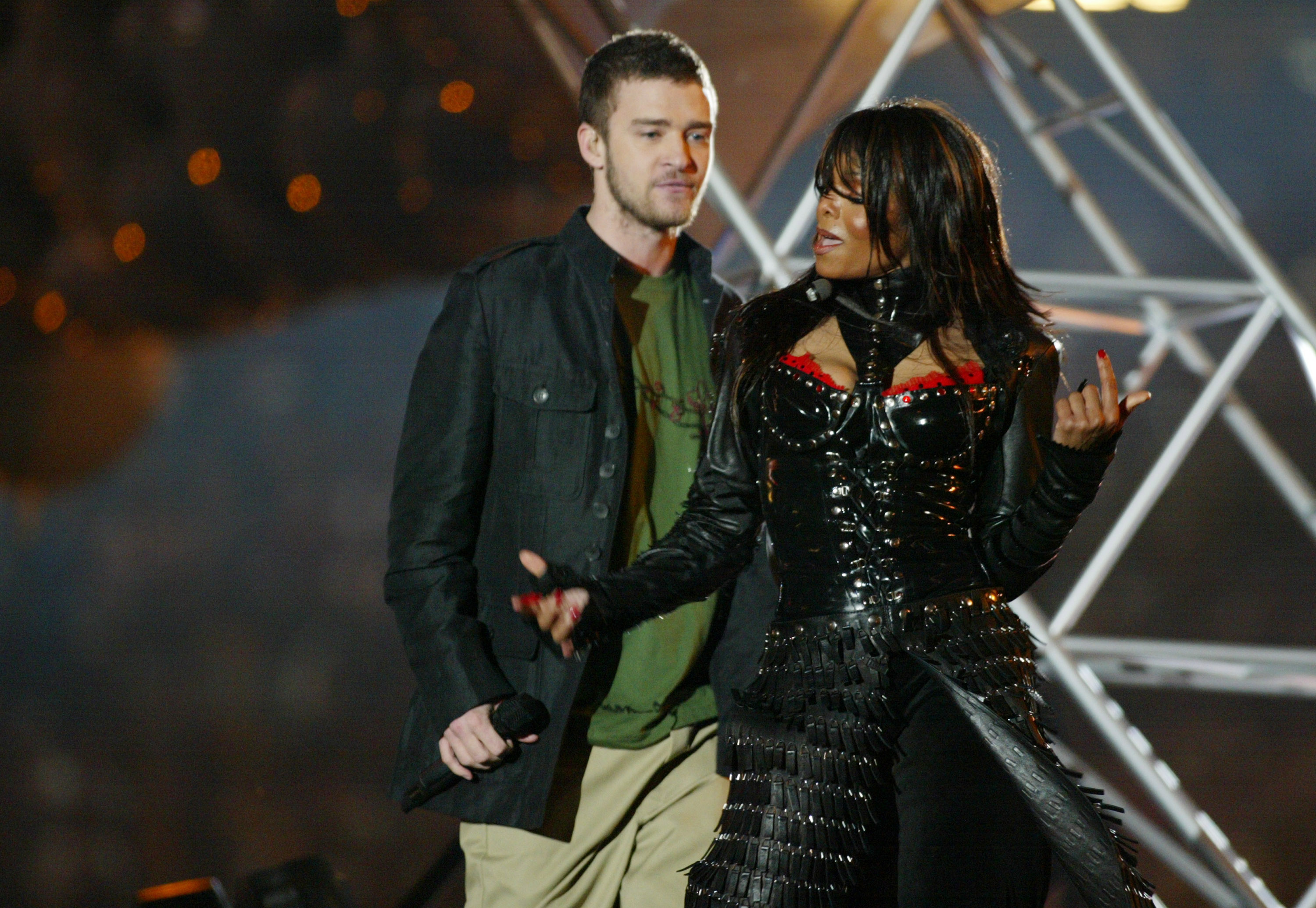 Justin Timberlake and Janet Jackson perform during the half - time show at Super Bowl XXXVIII in 2004.