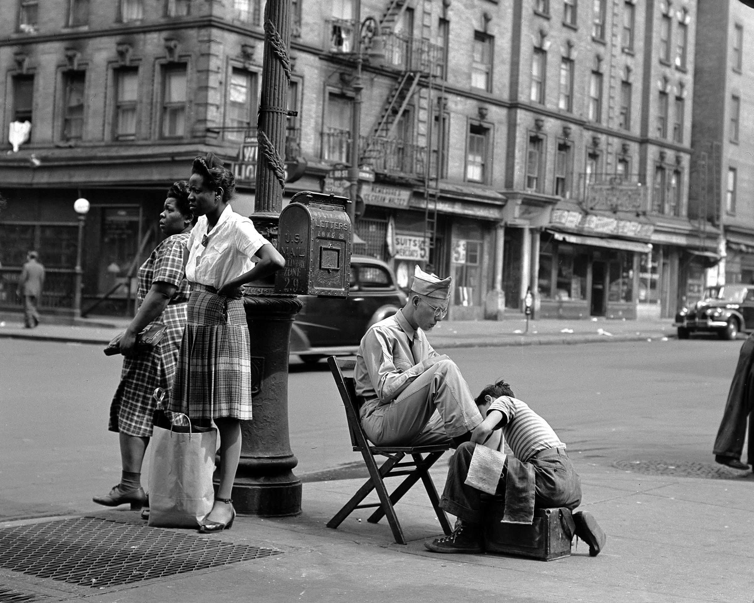 Lexington Avenue near 110th Street, Harlem, 1946.