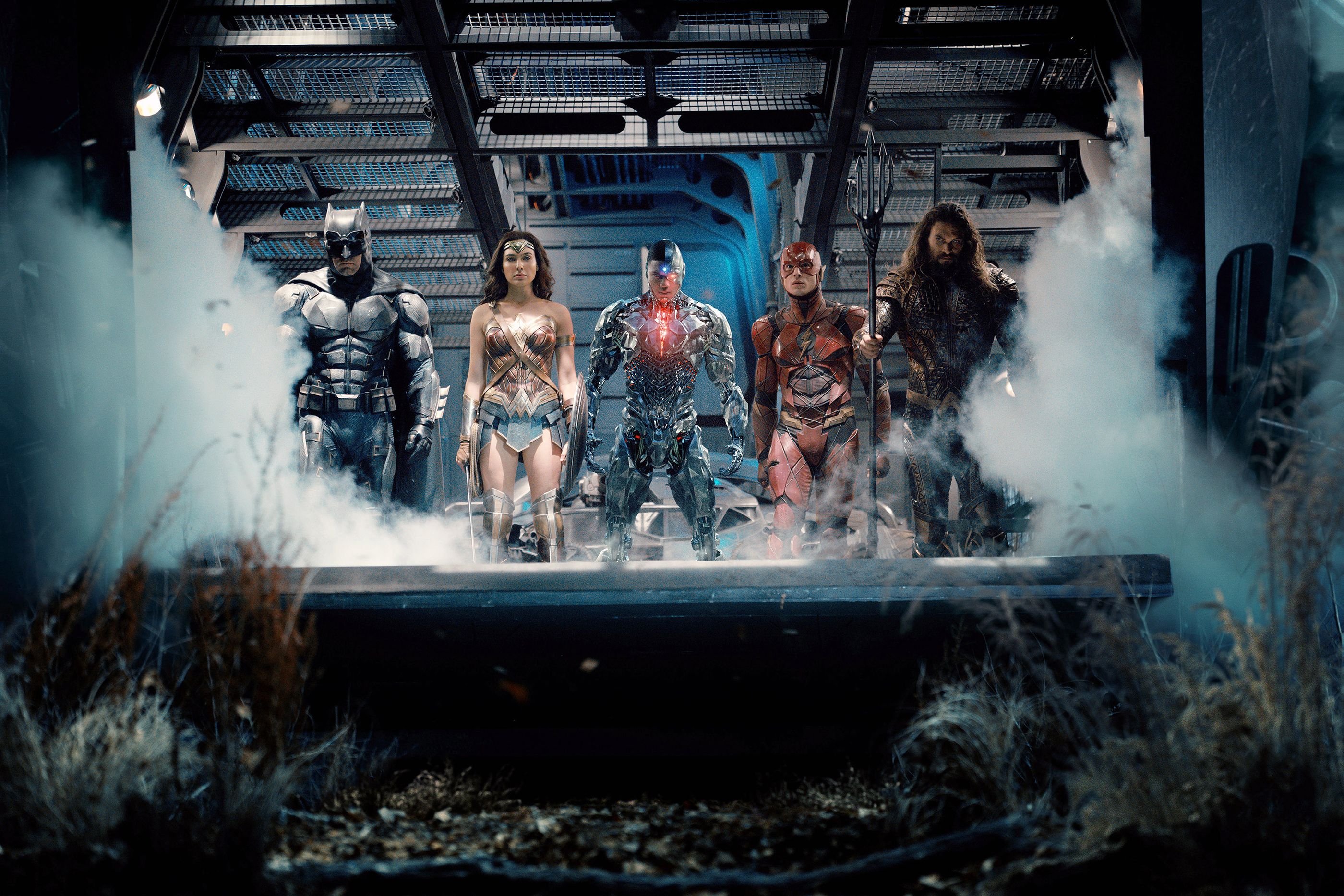 JUSTICE LEAGUE, from left: Ben Affleck as Batman, Gal Gadot as Wonder Woman, Ray Fisher as Cyborg, Ezra Miller as The Flash, Jason Momoa as Aquaman, 2017.
