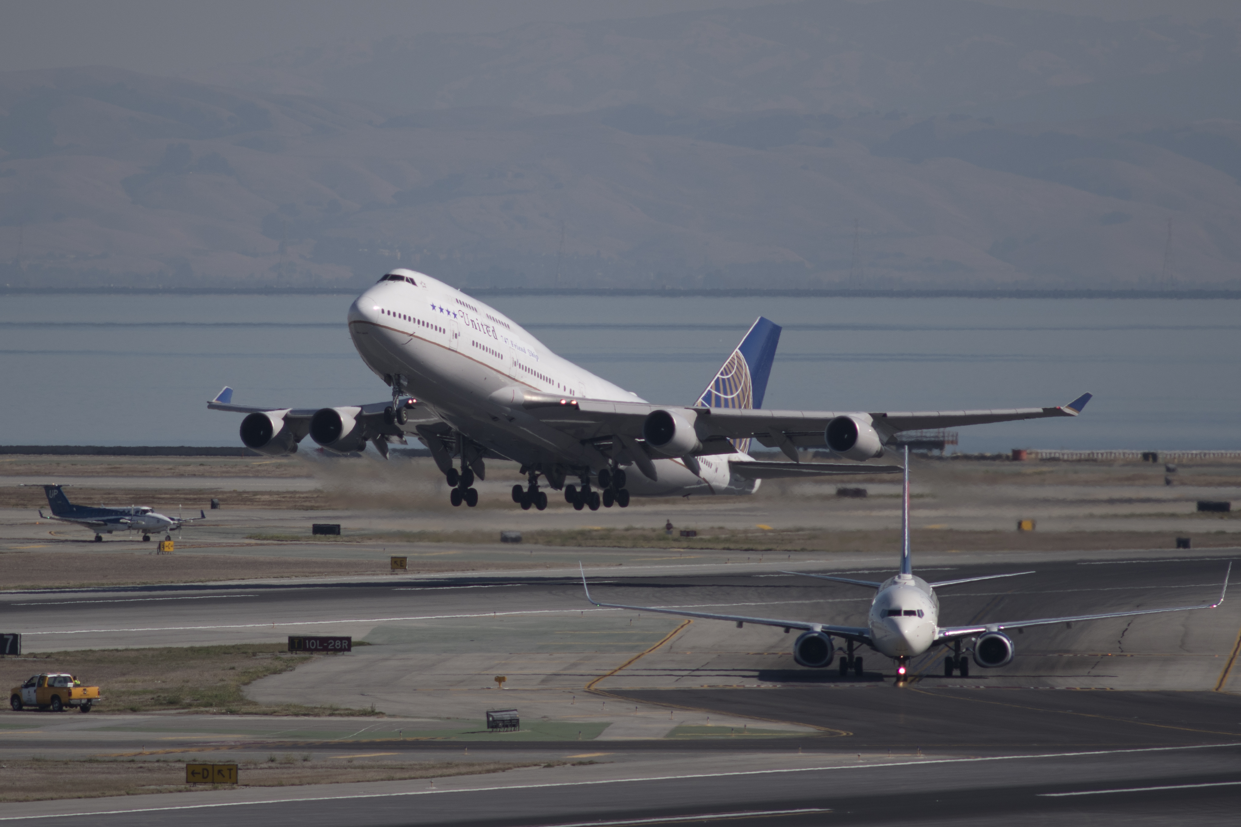 United Airlines' Boeing 747-400 aircraft performed its last passenger flight on November 7, 2017, from San Francisco to Hawaii.