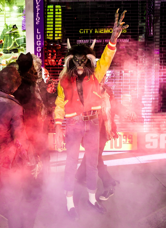 Heidi Klum channeled Michael Jackson's iconic  Thriller  character.