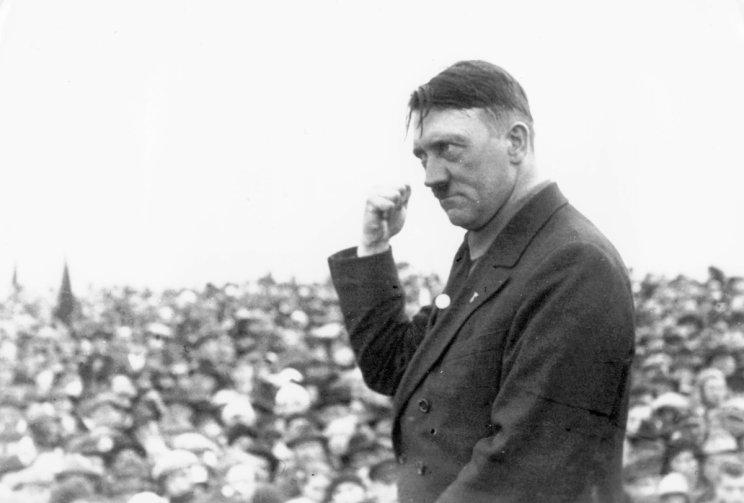 90 лет: Германия от Адольфа Гитлера - до Йенса Шпана. Какая эра, такой и фюрер.