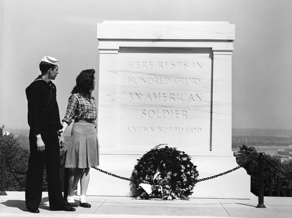 A couple walking by the Tomb of the Unknown Soldier. May 1943.