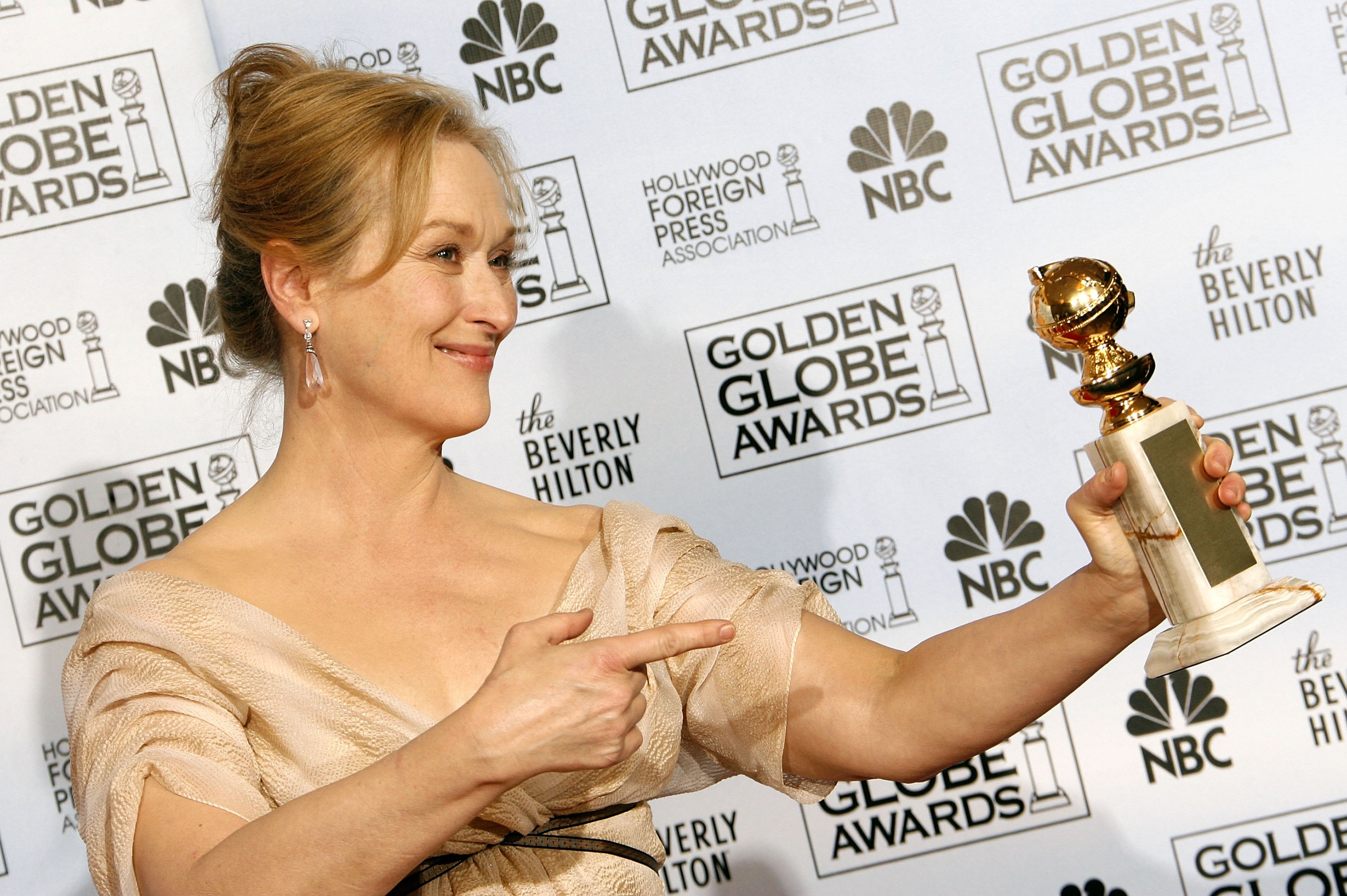 Actress Meryl Street poses with her Best Performance by an Actress in a Motion Picture - Musical or Comedy award for  The Devil Wears Prada  backstage during the 64th Annual Golden Globe Awards at the Beverly Hilton on January 15, 2007 in Beverly Hills, California.
