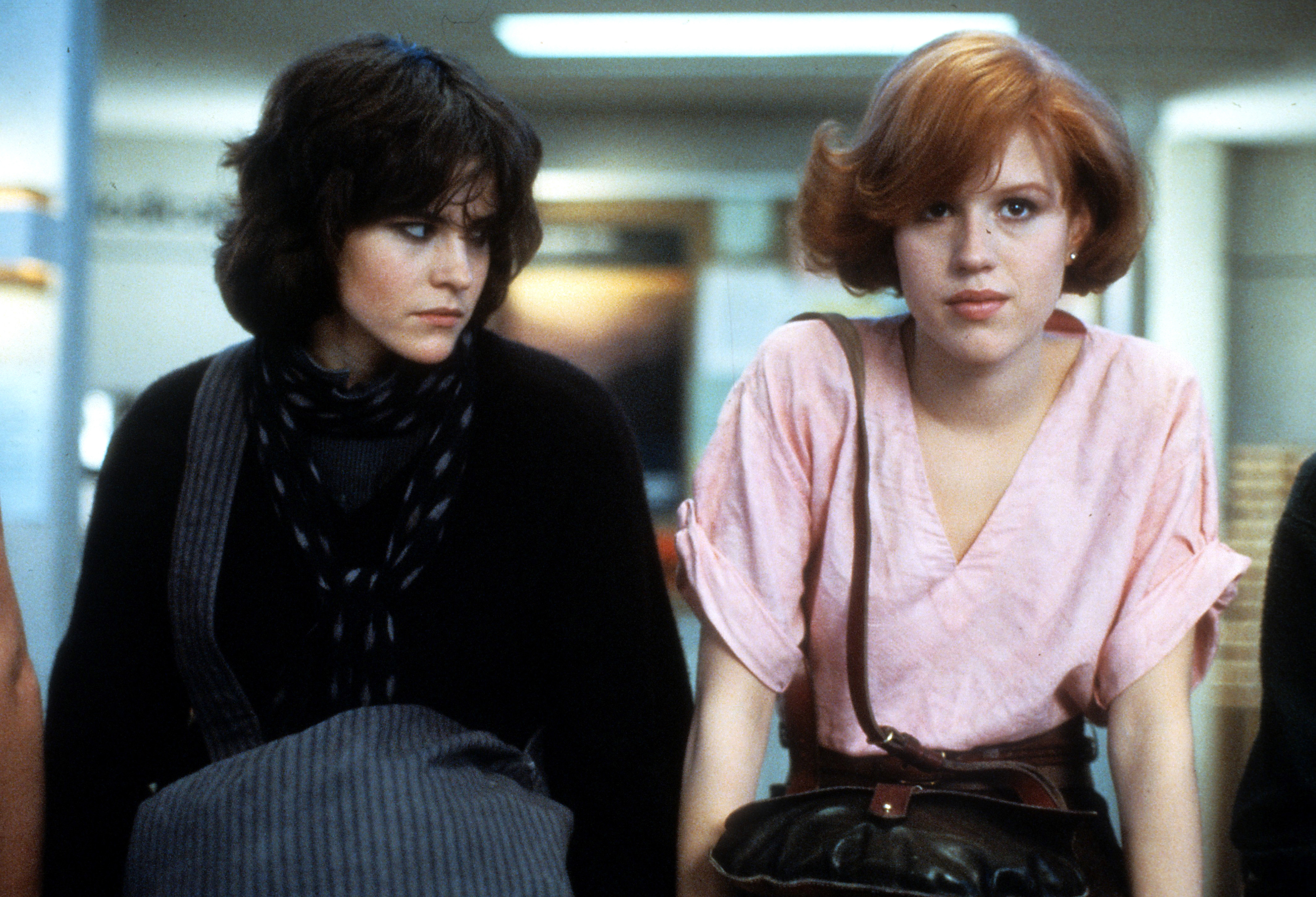 Ally Sheedy and Molly Ringwald in a scene from the film 'The Breakfast Club', 1985.