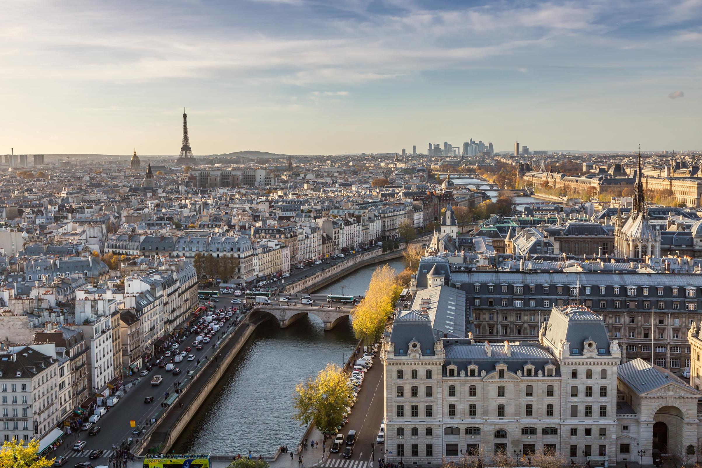 future-olypic-citys-paris-eiffel-tower