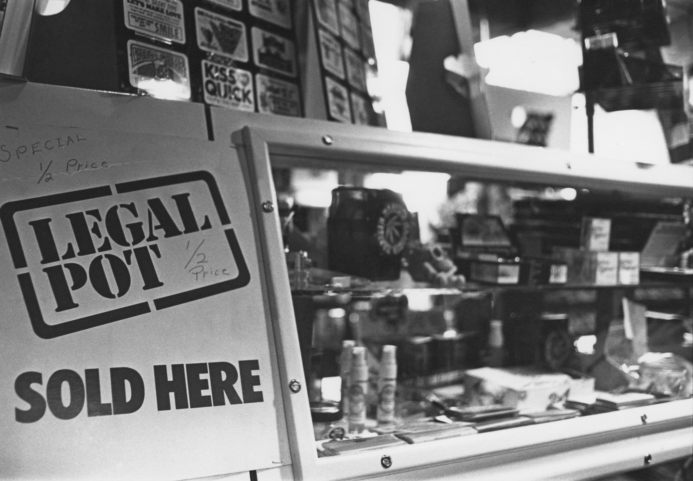 A shop selling pot smoking paraphernalia and 'legal highs' in Cambridge, Mass., on Jan. 6, 1978.
