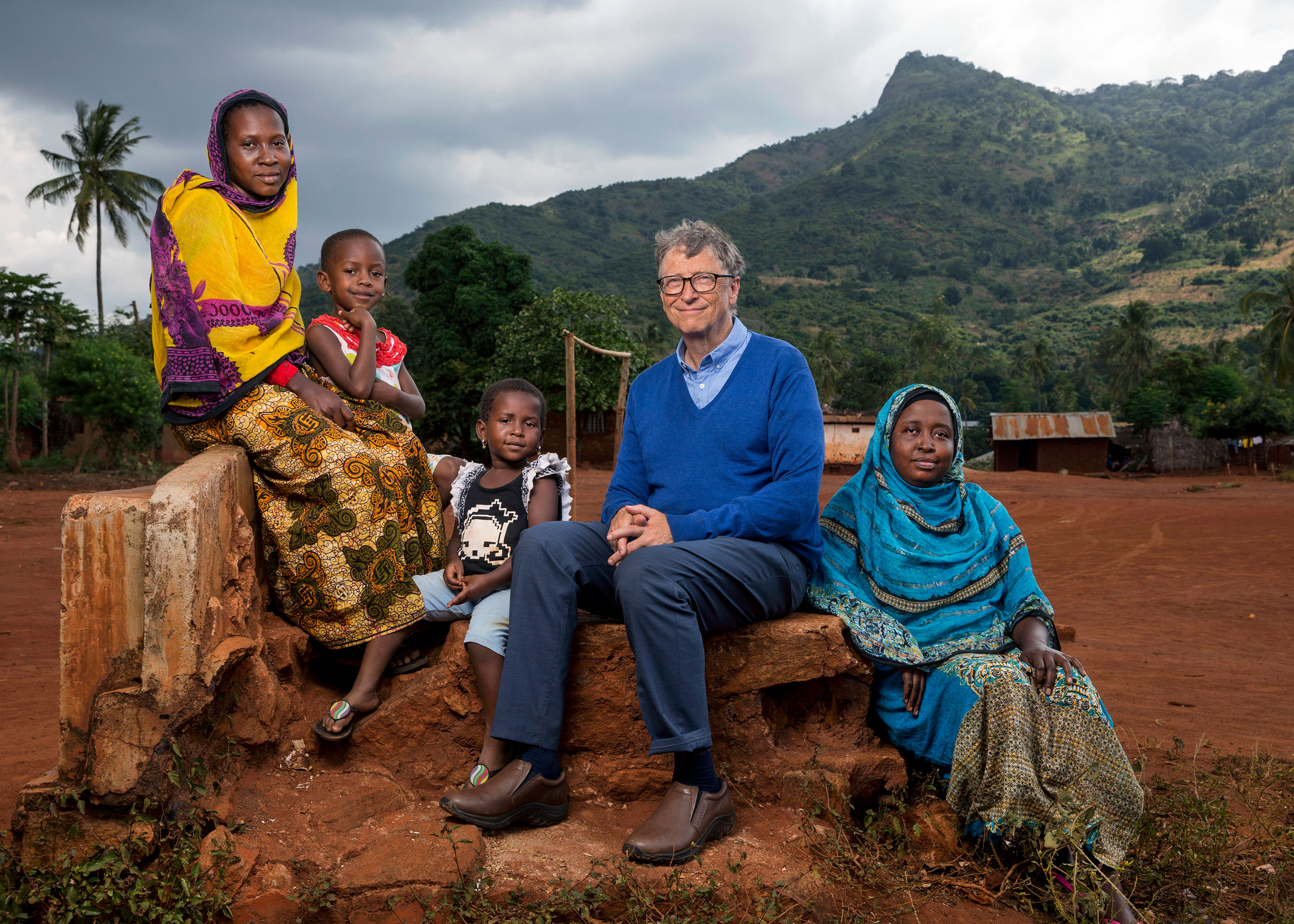 Fadhila Athumani, Salhati Hassani, Hailati Aly, Bill Gates and Asha Athumani in the village of Kicheba in the Tanga Region of Tanzania during an August 2017 visit.