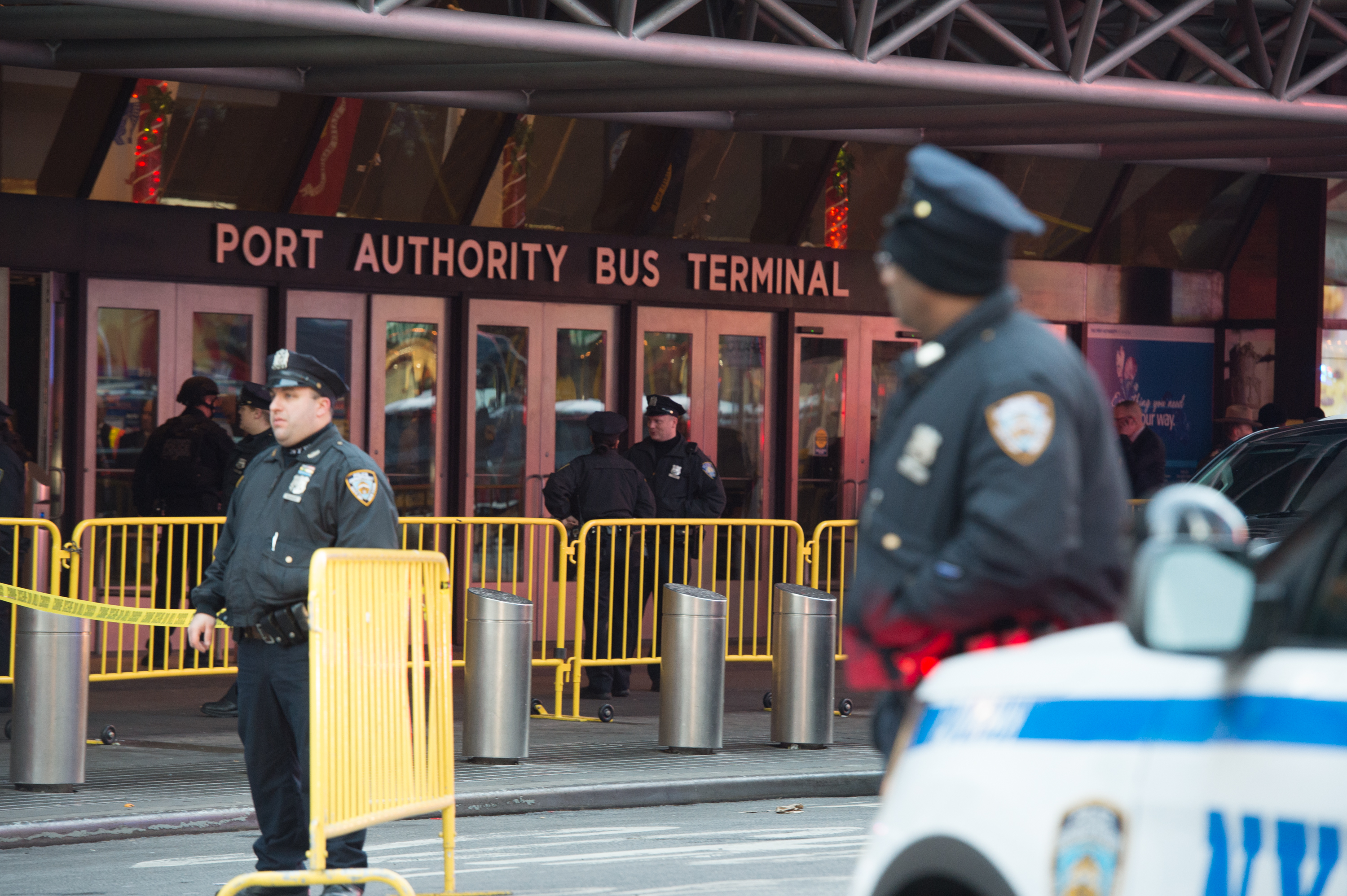 Police respond to a reported explosion at the Port Authority Bus Terminal on December 11, 2017 in New York.