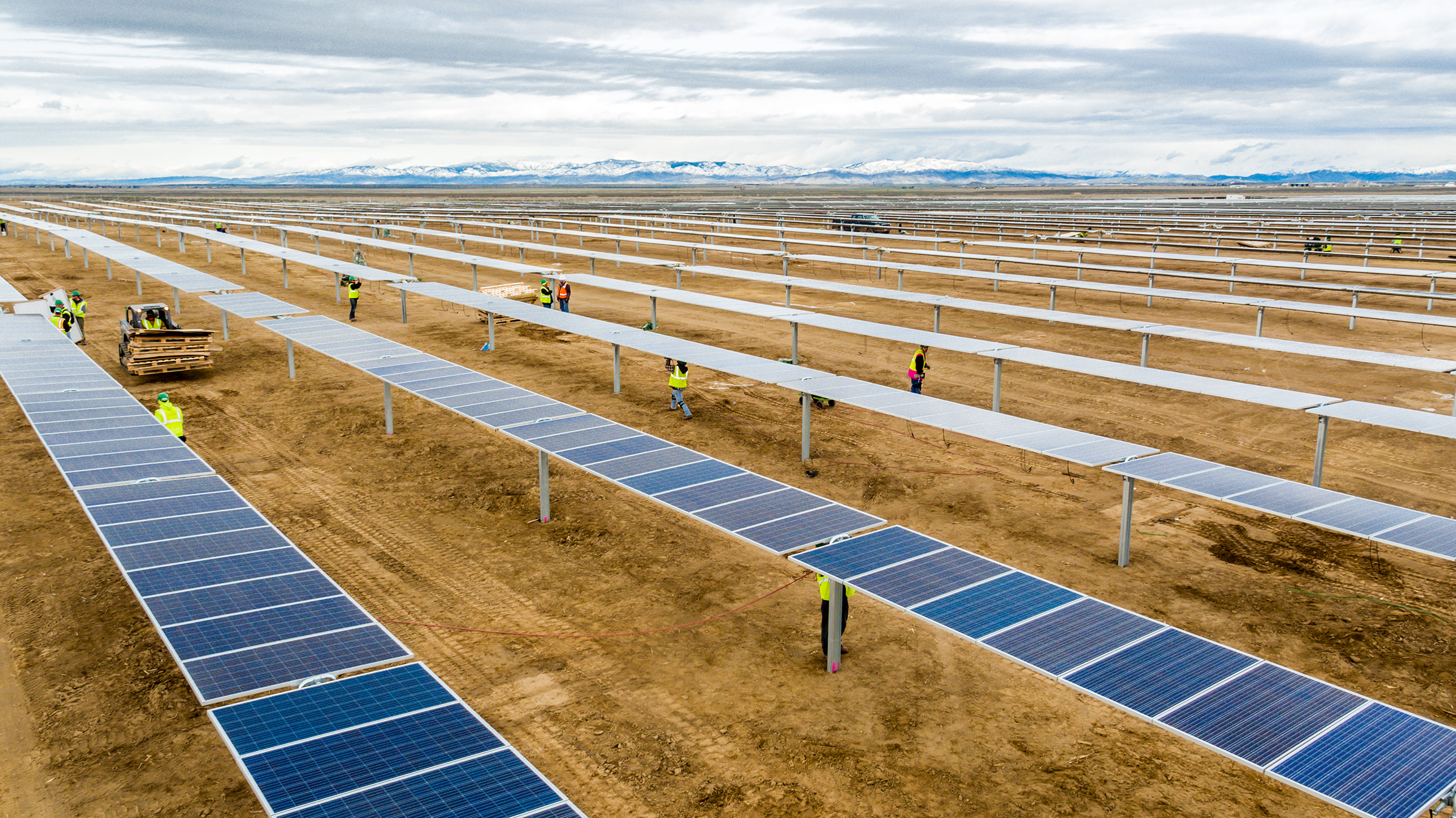 DEPCOM construction crews assemble solar modules during the construction of the 55 megawatt Idaho Solar plant.