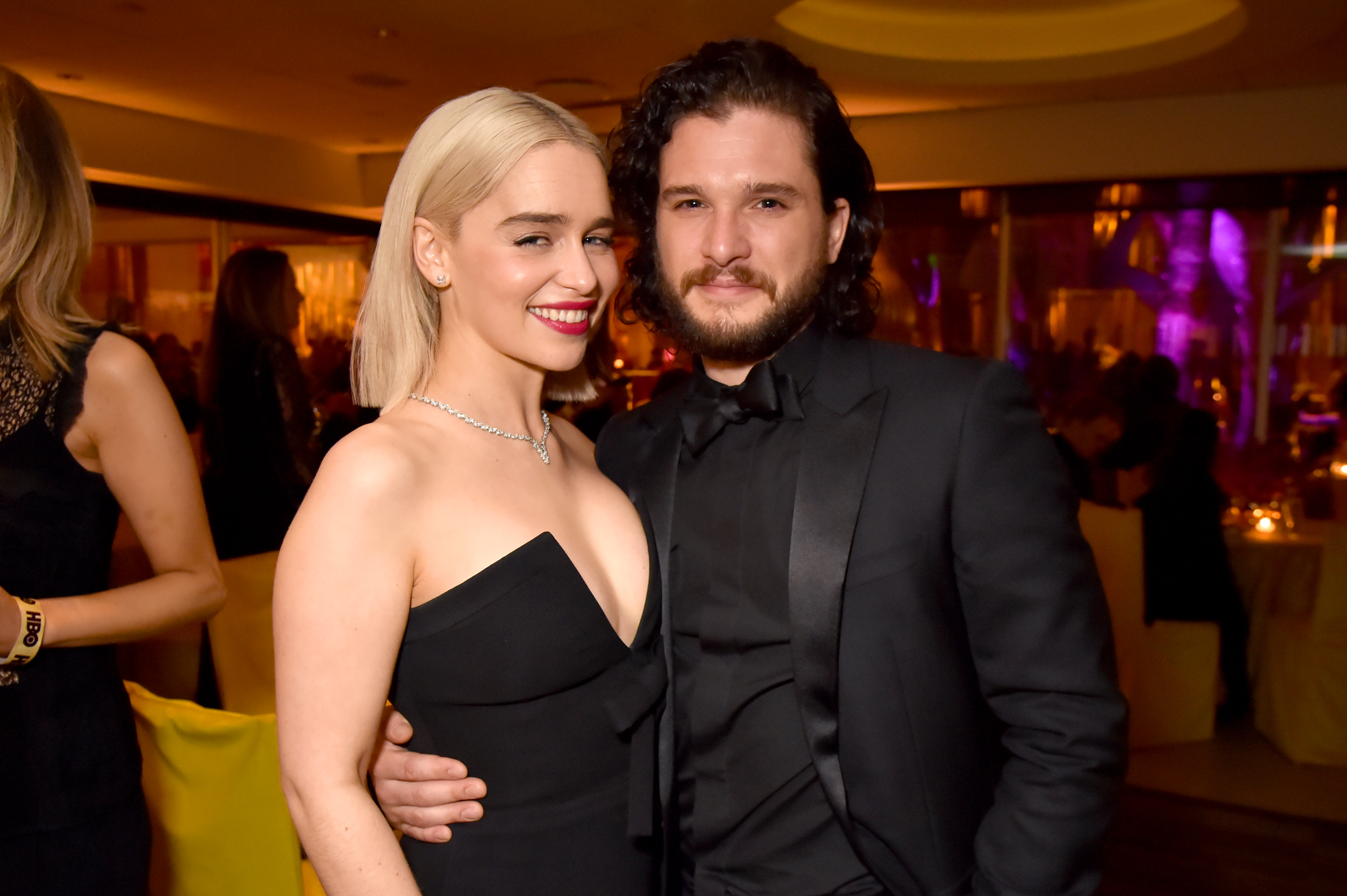 LOS ANGELES, CA - JANUARY 07:  Emilia Clarke and  Kit Harington of 'Game of Thrones' attends HBO's Official 2018 Golden Globe Awards After Party on January 7, 2018 in Los Angeles, California.  (Photo by Jeff Kravitz/FilmMagic for HBO)