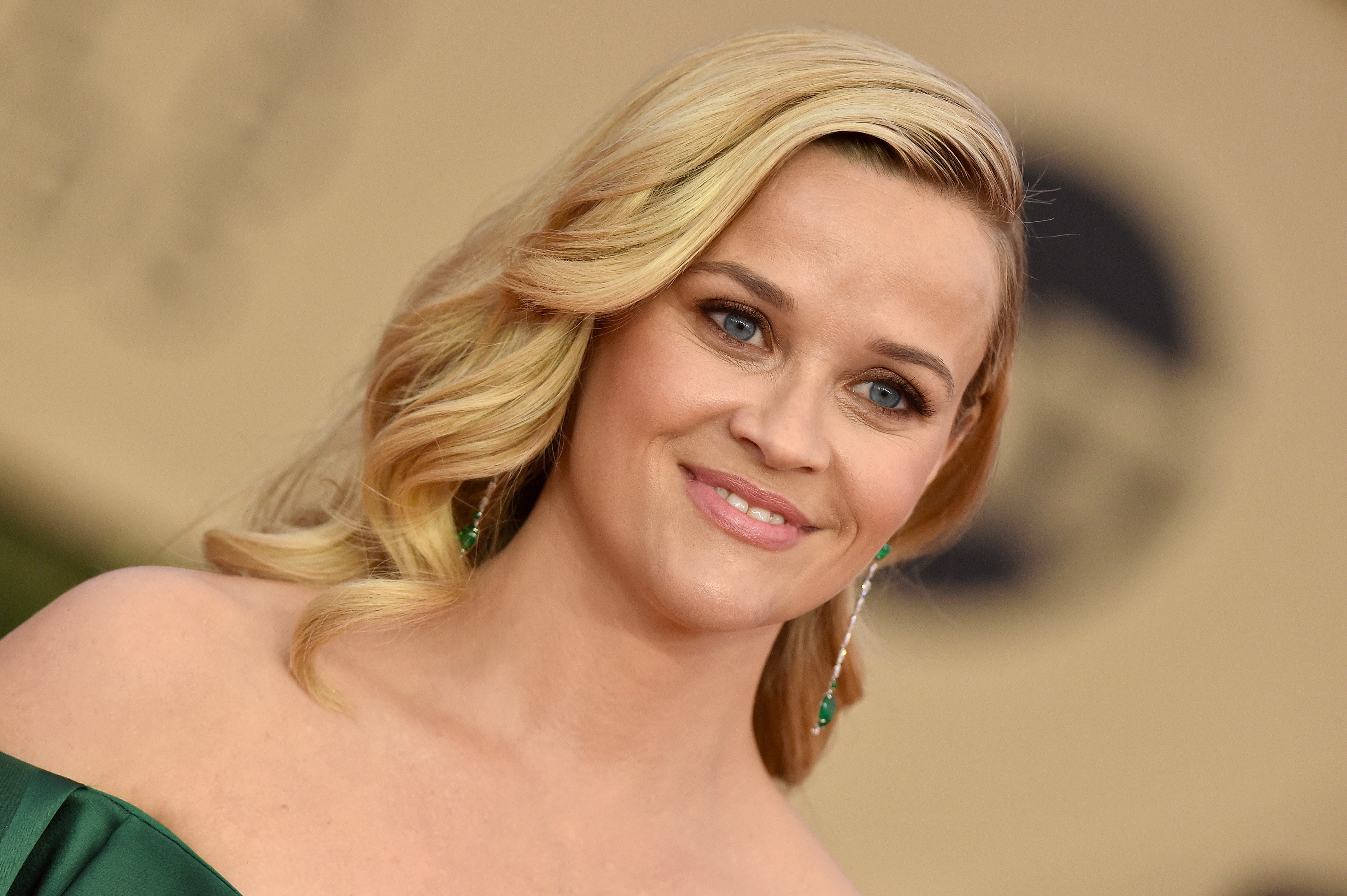 There's Something Unusual About Reese Witherspoon on Vanity Fair's New Cover
