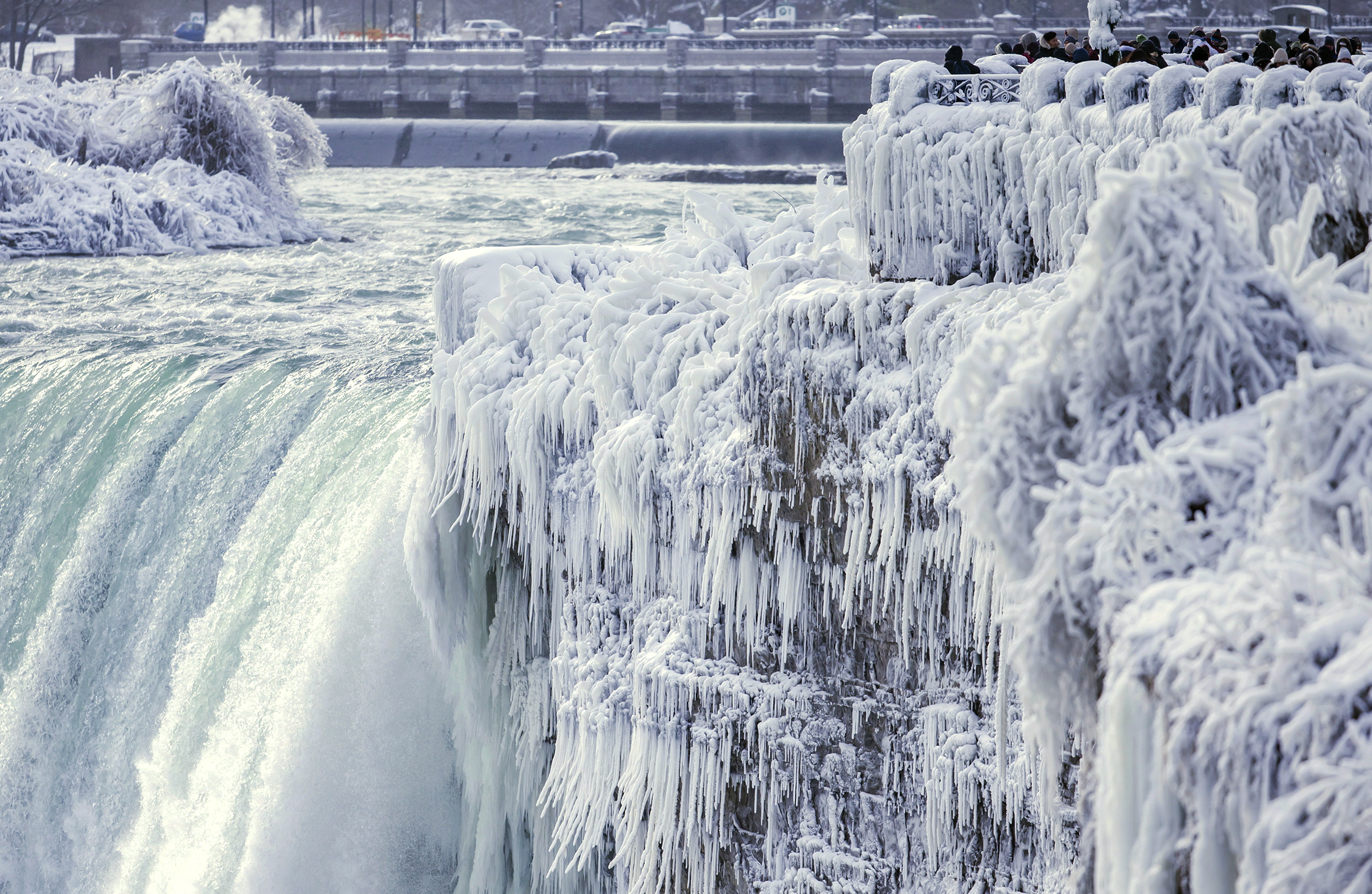 See Niagara Falls Covered In Ice Absolutely Beautiful Time
