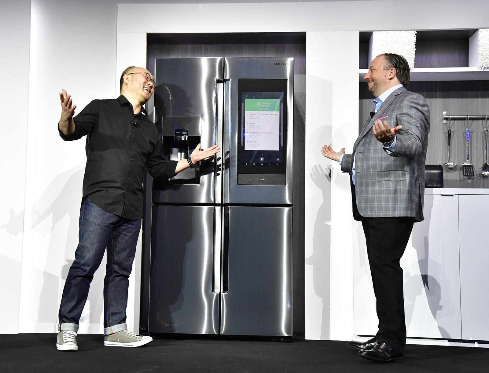 Samsung's Yoon Lee (left) and Joe Stinziano at the company's CES 2018 press conference