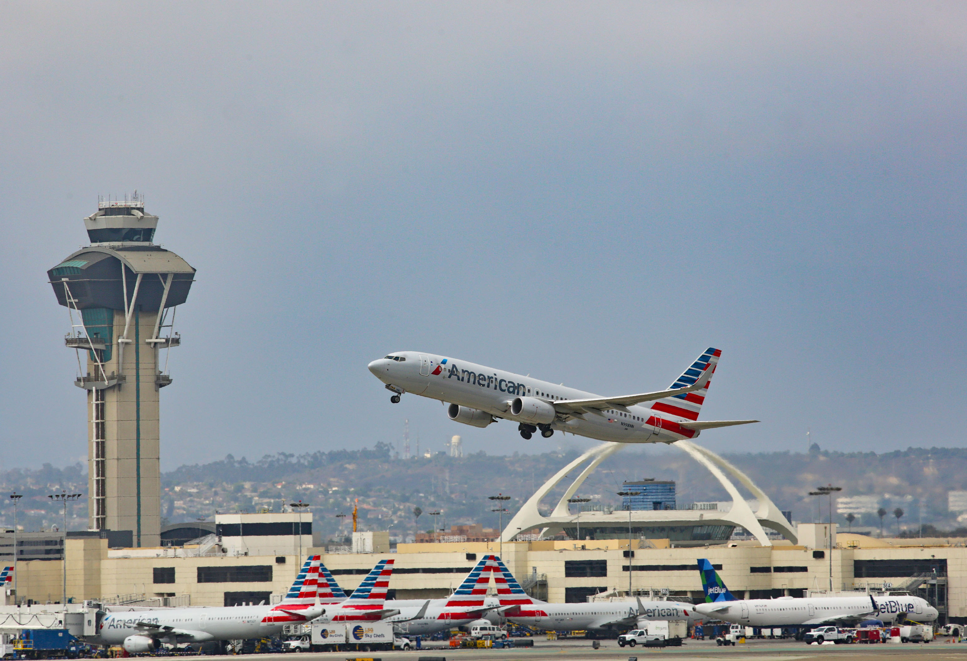 American Airlines Boeing 737 lands at Los angeles International Airport on July 30, 2017 in Los Angeles, California.  (Photo by FG/Bauer-Griffin/GC Images)