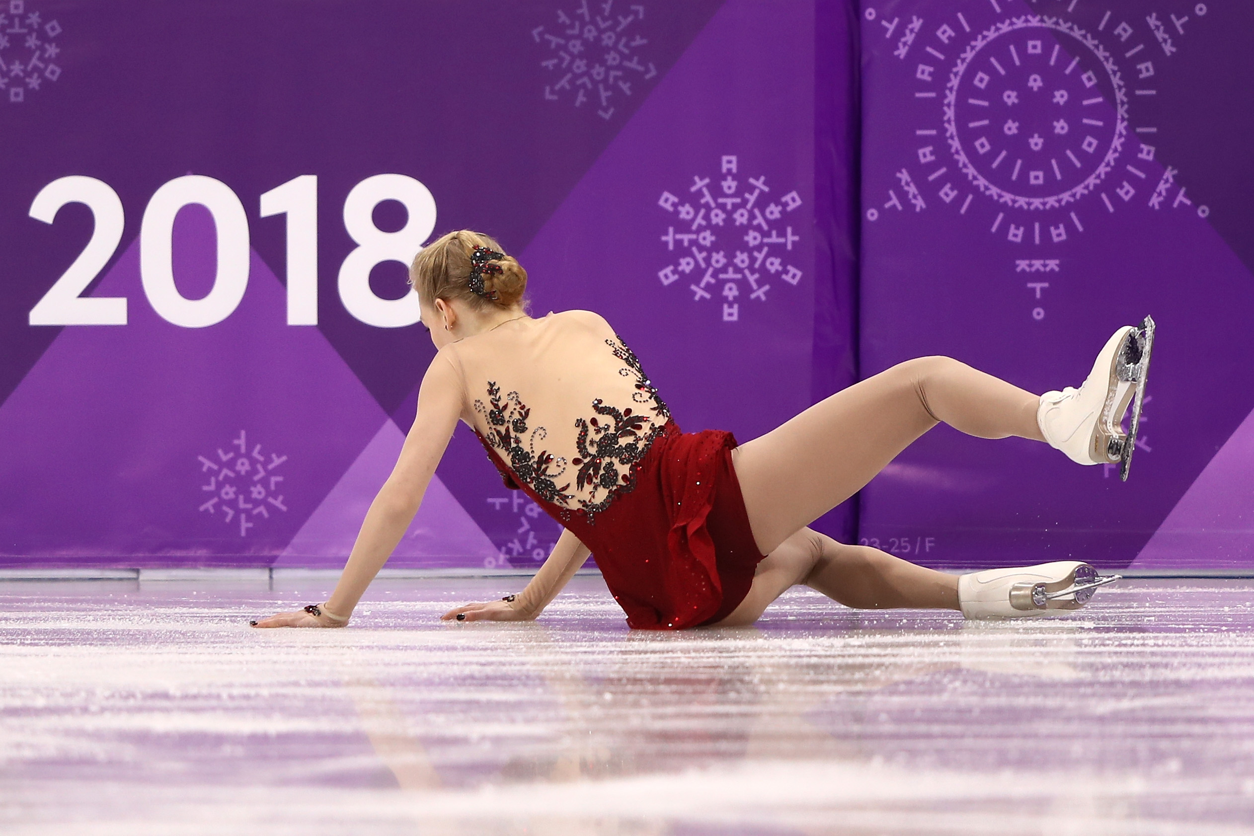 Bradie Tennell falls while competing during the Ladies Single Skating Short Program on day twelve of the PyeongChang 2018 Winter Olympic Games at Gangneung Ice Arena on February 21, 2018 in Gangneung, South Korea