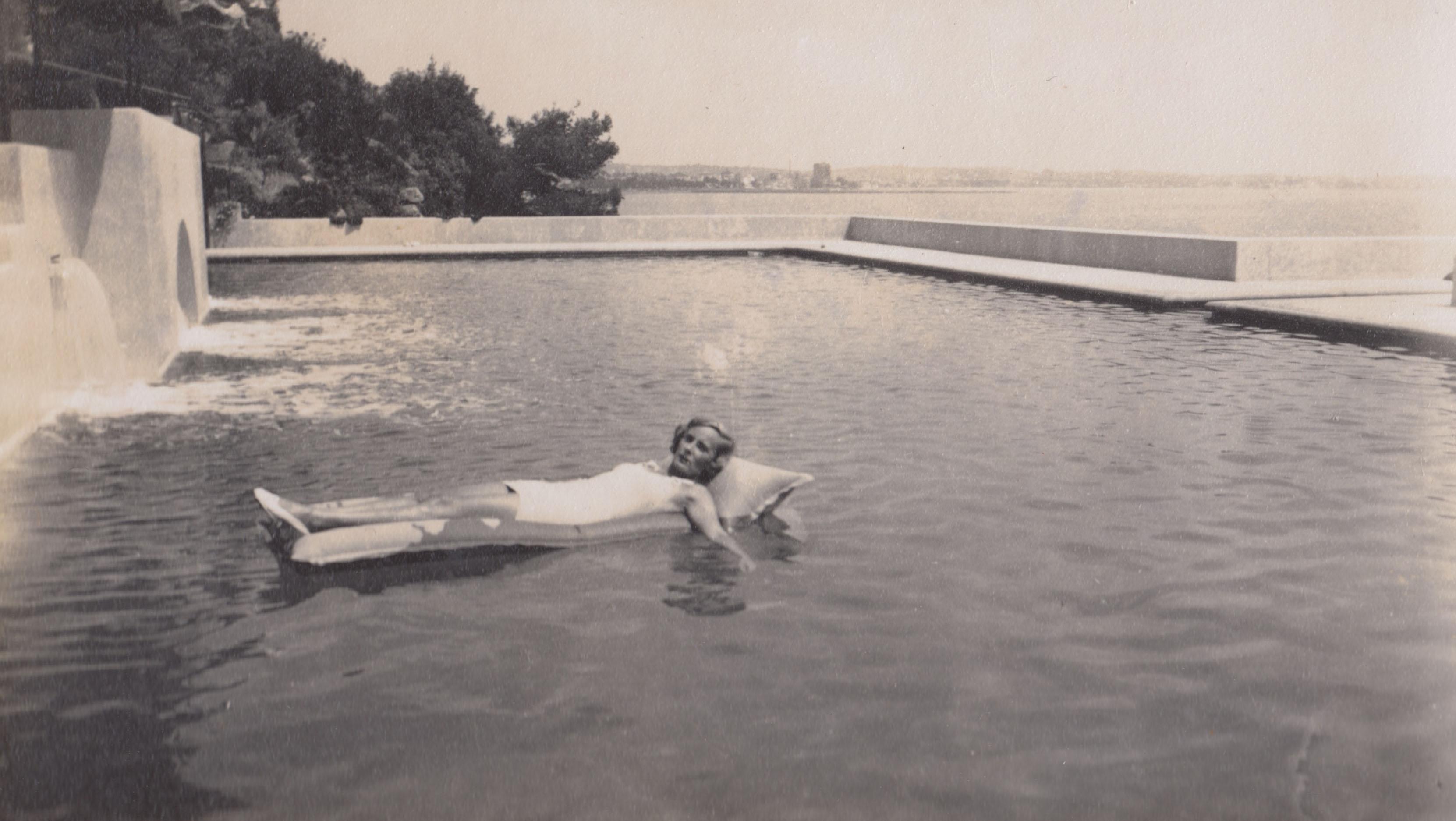 Doris Castlerosse taken at Chateau de L'Horizon, French Riviera mid 1930s