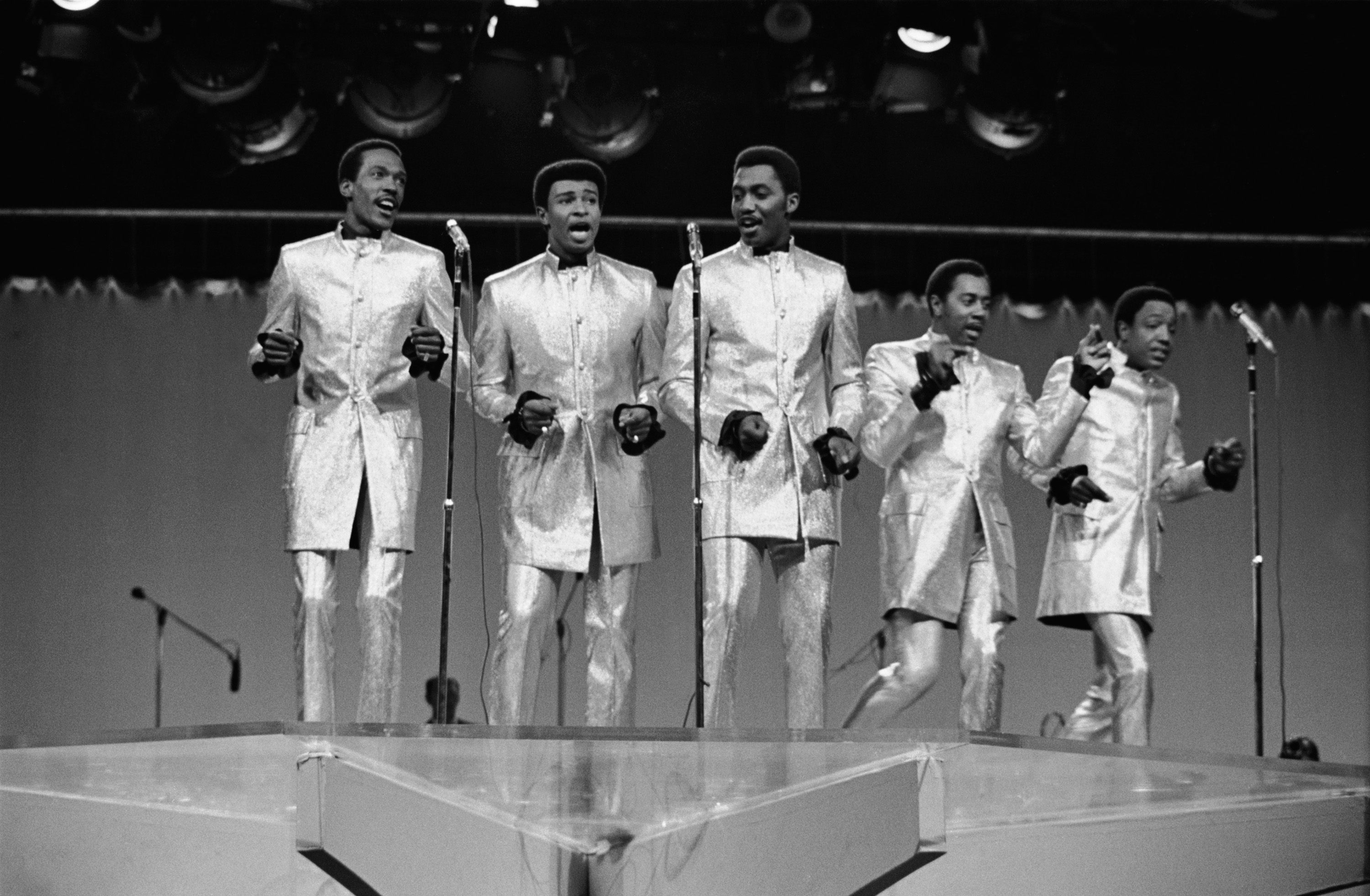TCB -- Aired 12/9/68 -- Pictured: The Temptations: (l-r) Eddie Kendricks, Dennis Edwards, Otis Williams, Melvin Franklin, Paul Williams (Photo by NBC/NBCU Photo Bank via Getty Images)