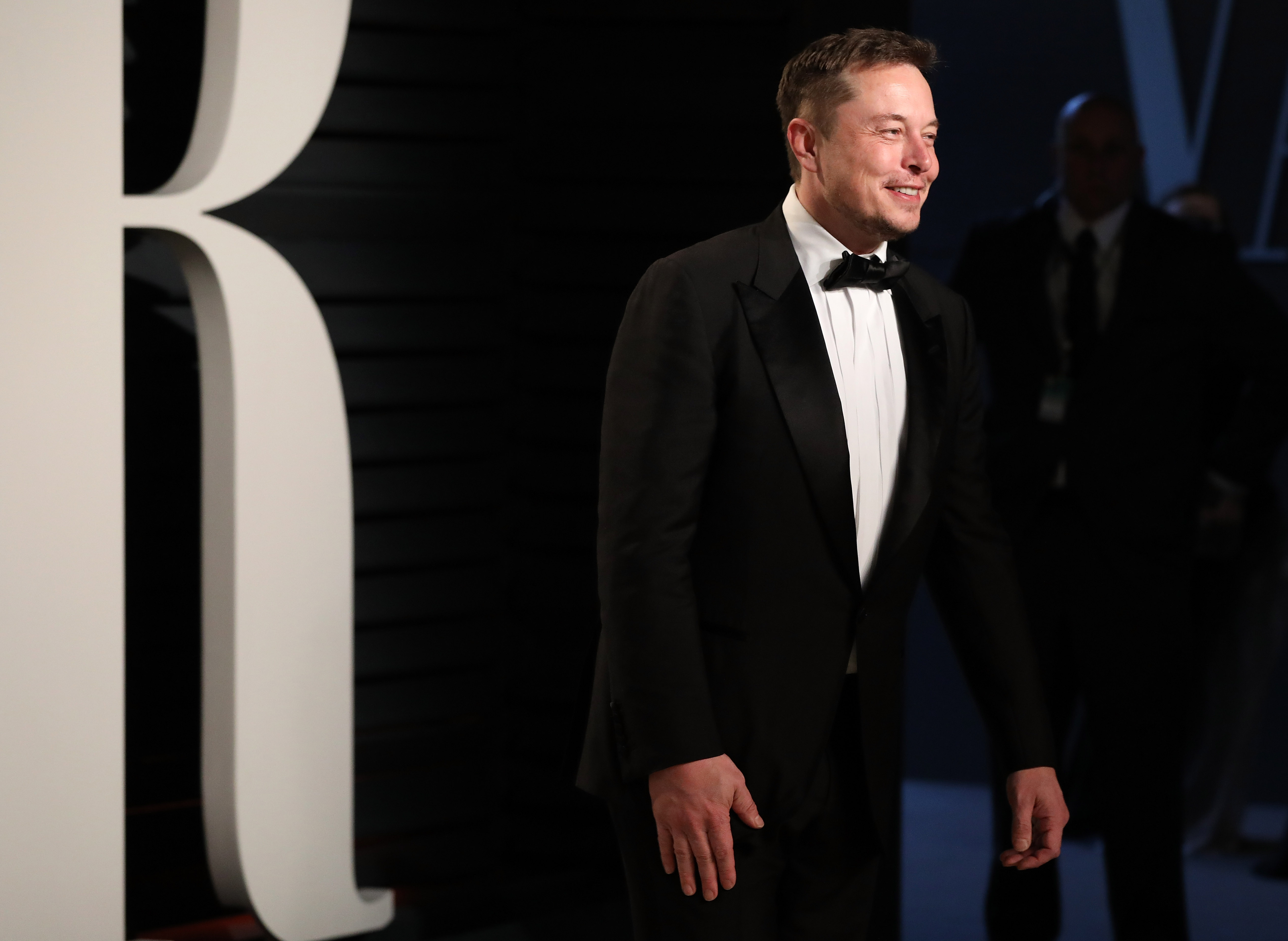 SpaceX CEO Elon Musk attends 2017 Vanity Fair Oscar Party Hosted By Graydon Carter  at Wallis Annenberg Center for the Performing Arts on February 26, 2017 in Beverly Hills, California.