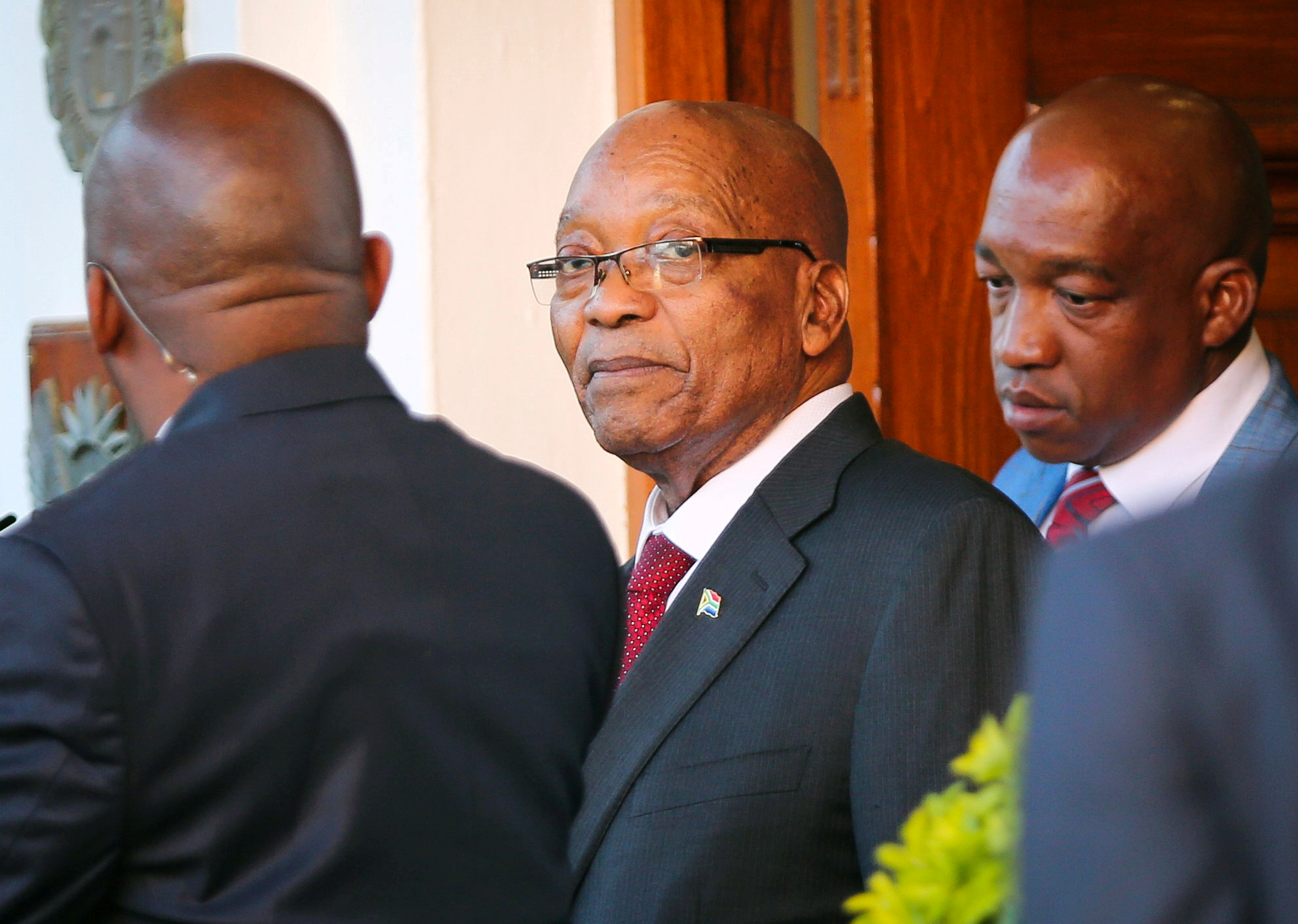 President Jacob Zuma leaves Tuynhuys, the office of the presidency, in Cape Town, South Africa on Feb. 7, 2018.
