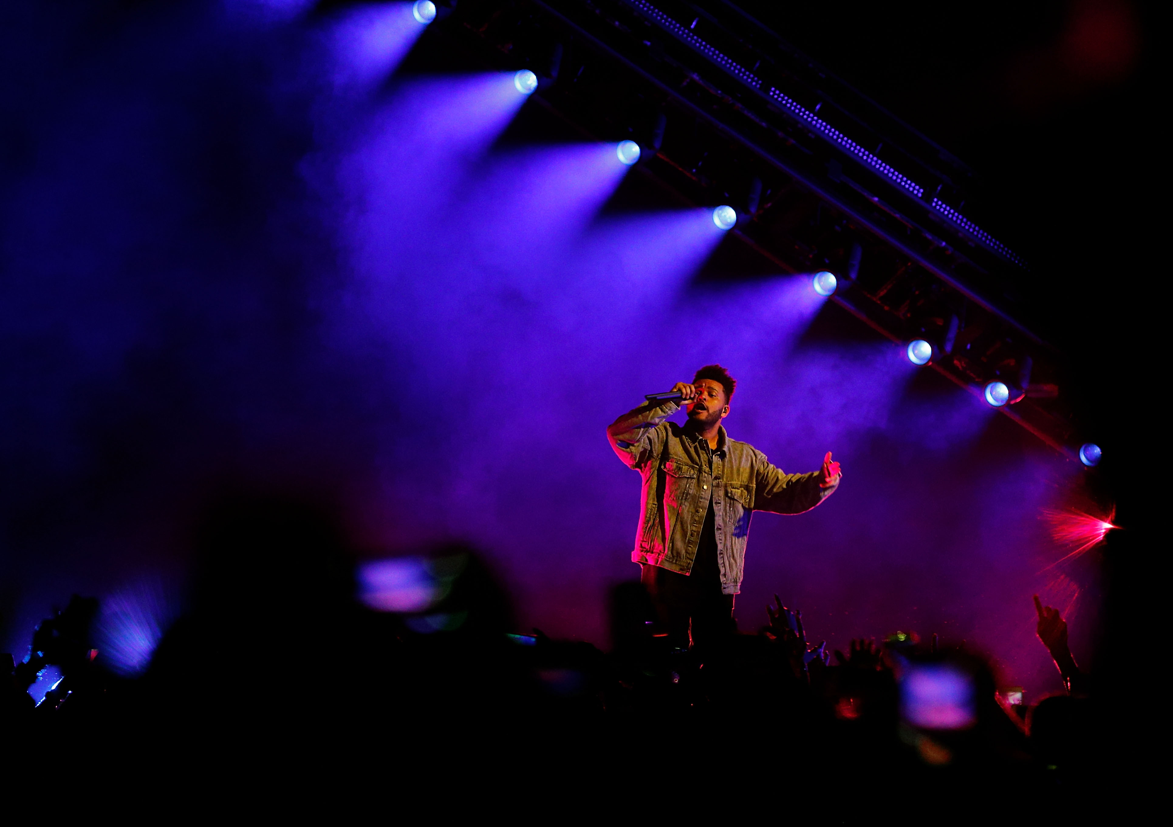 SYDNEY, AUSTRALIA - DECEMBER 02:  Singer Abel Makkonen Tesfaye, known professionally as The Weeknd, performs on stage during the Starboy: Legend of the Fall 2017 World Tour at Qudos Bank Arena on December 2, 2017 in Sydney, Australia.  (Photo by Hanna Lassen/WireImage)