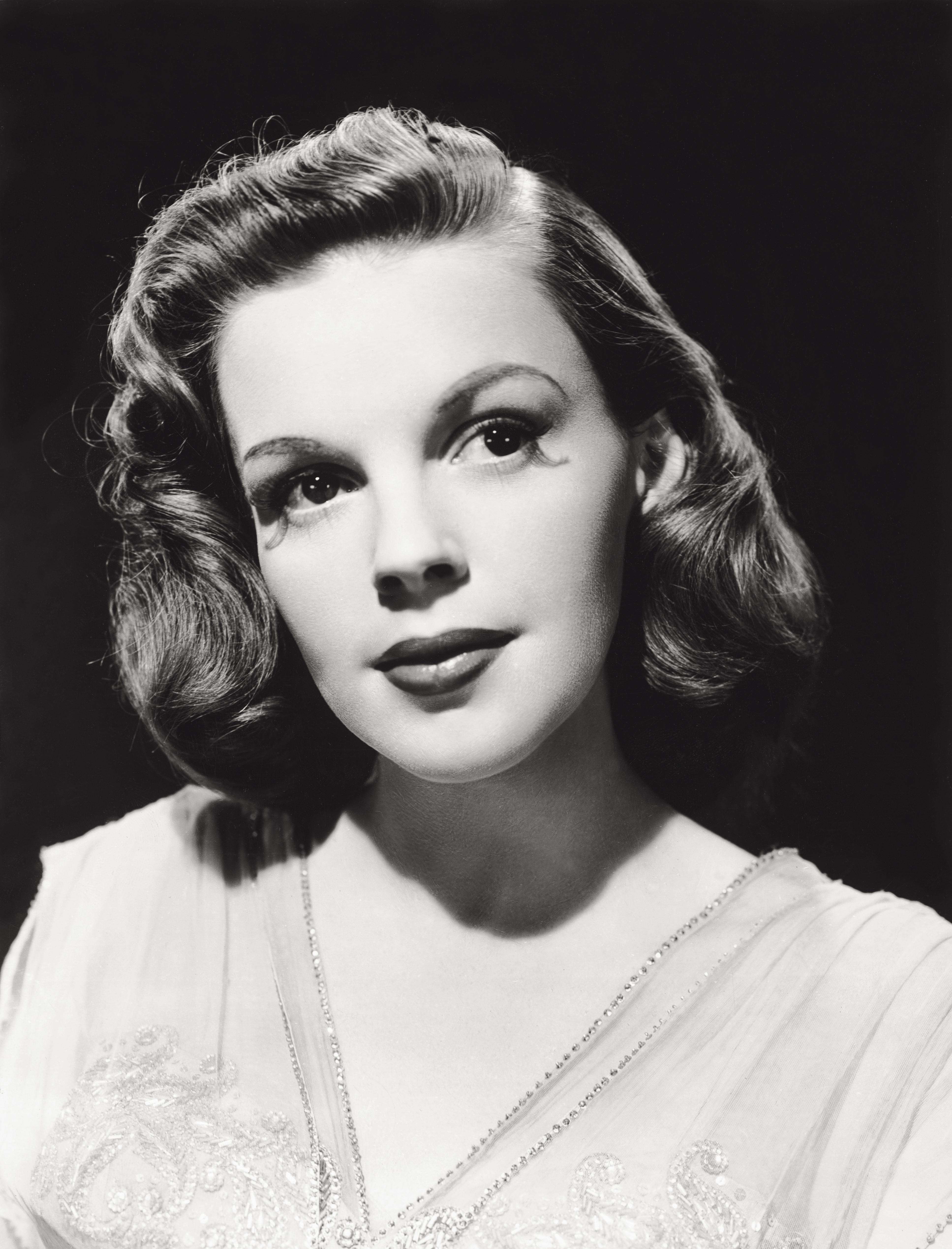 Close up of the actress Judy Garland.