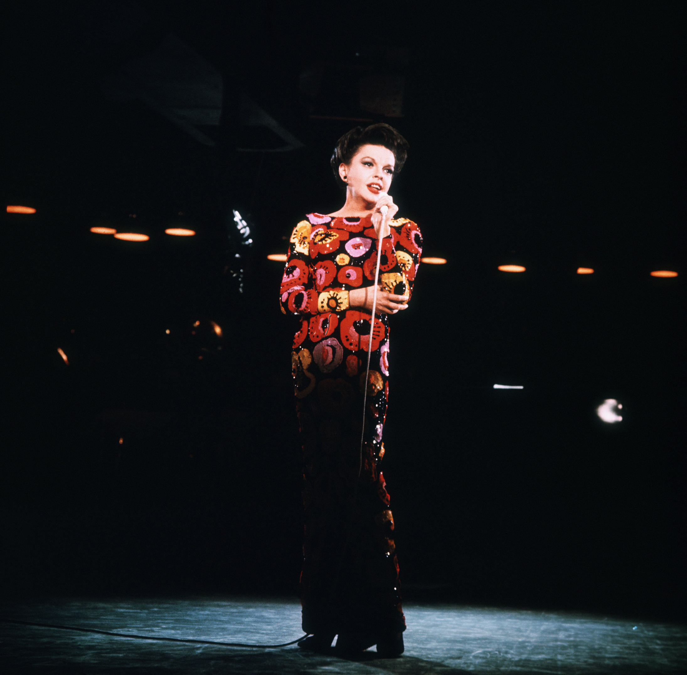 inger and actress Judy Garland appears in concert.