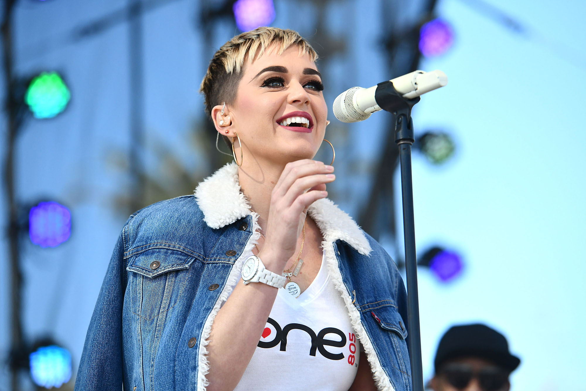 Katy Perry Responds To Taylor Swift Fan On American Idol Time